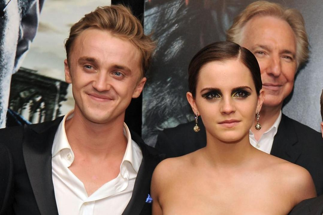Harry Potter's Tom Felton teaches Emma Watson how to play guitar