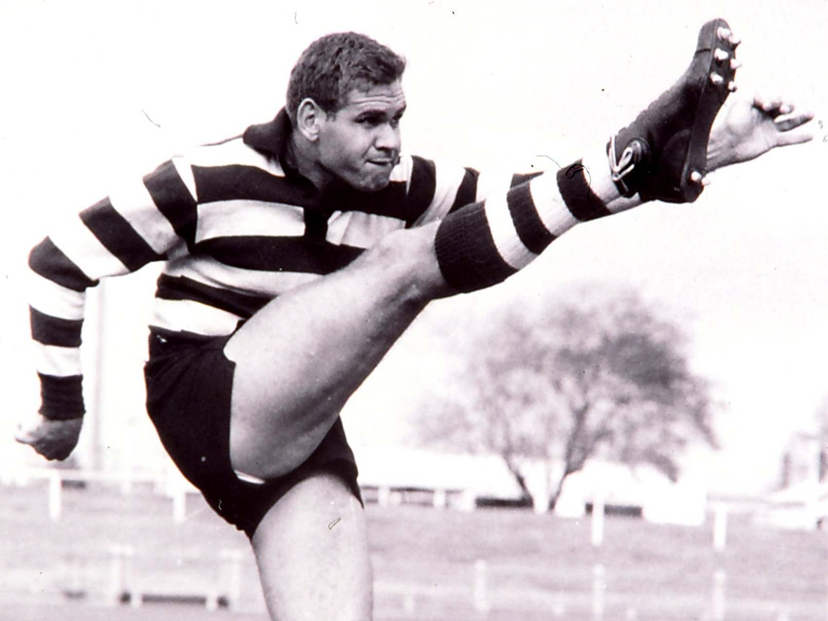 Graham 'Polly' Farmer: Australian football star who revolutionised the game