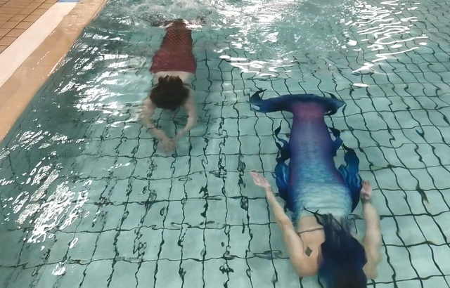 Learning to swim with a tail is no mean feat