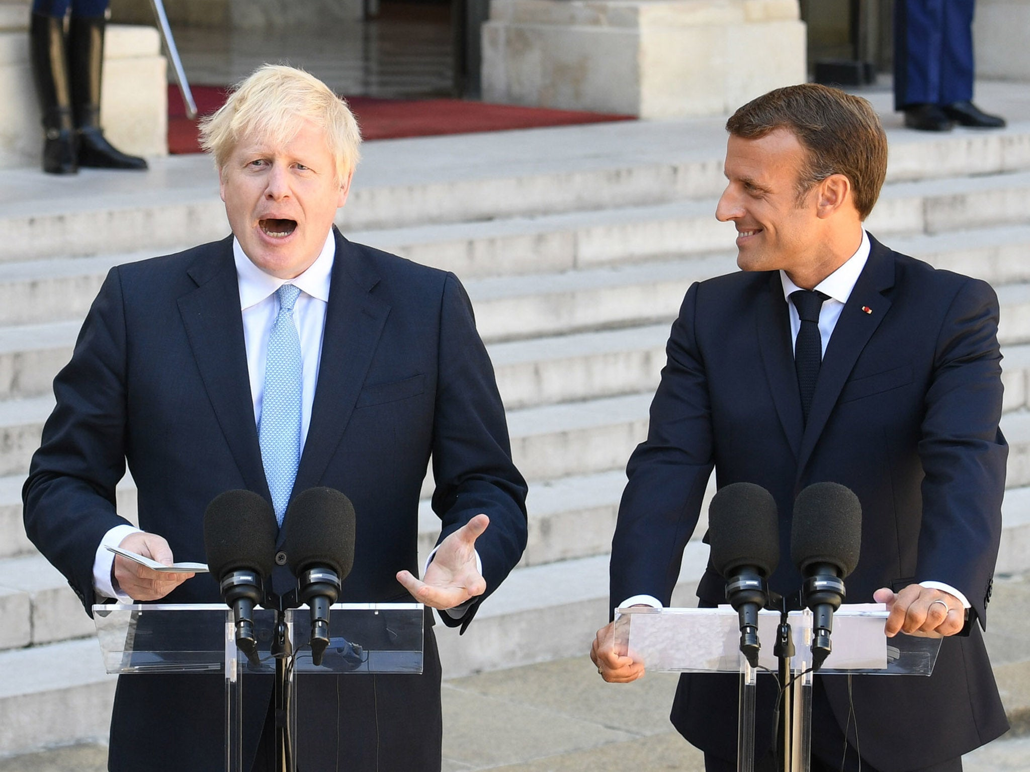 Emmanuel Macron now wants to force Britain out of the EU – and fast