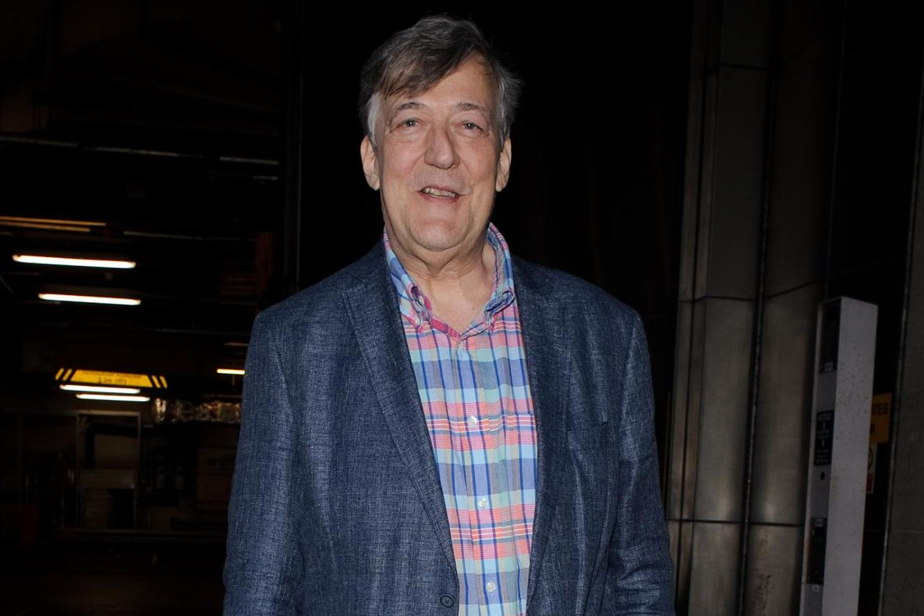 Stephen Fry reveals five stone weight loss following prostate cancer…