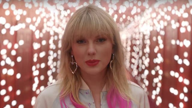 Taylor Swift Lover Review Round Up Critics Say Album Feels Evolutionary Rather Than Revolutionary The Independent The Independent