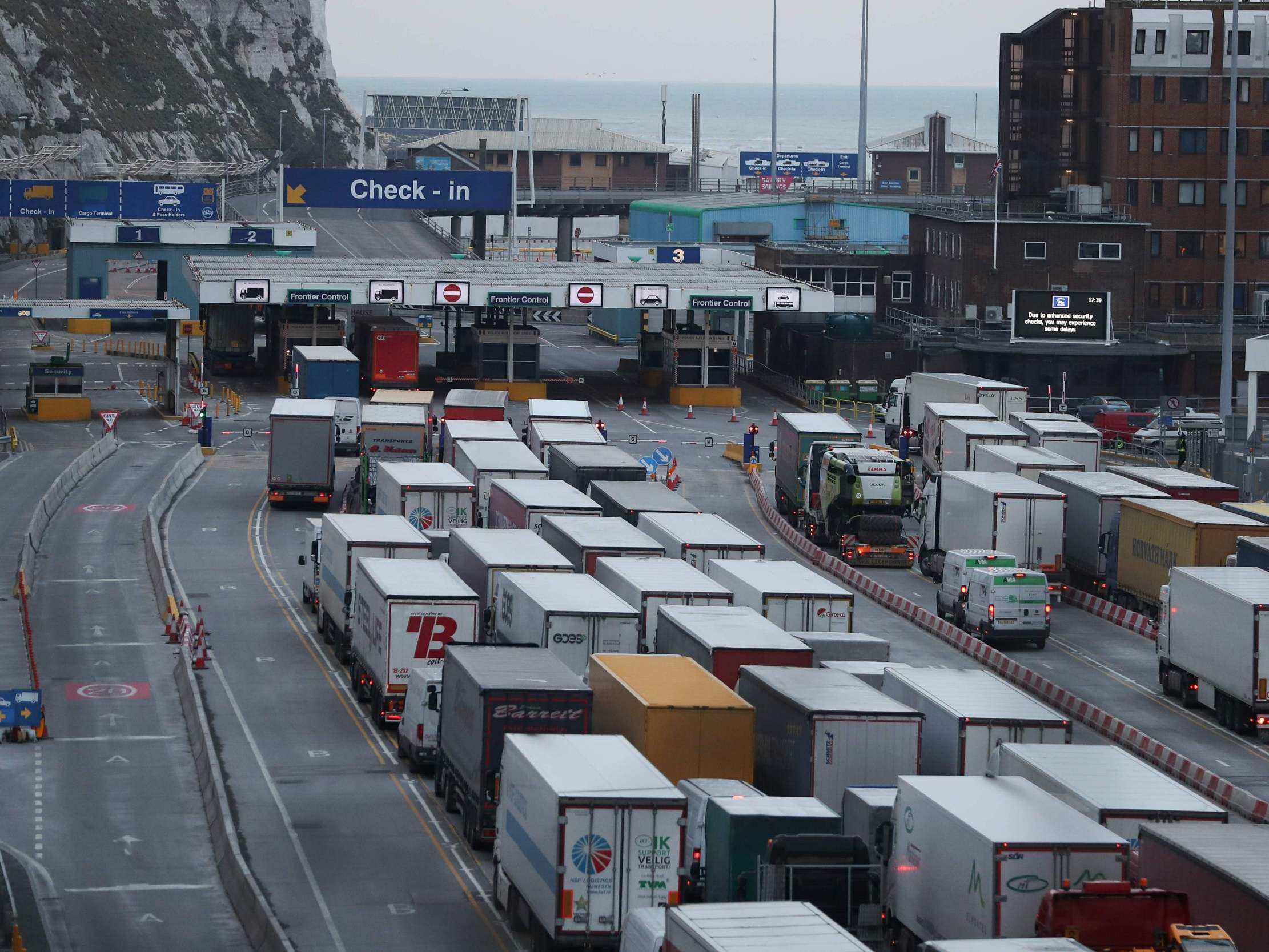 No-deal Brexit: Tens of thousands of lorries with 'wrong paperwork' to be turned away at ports, secret government documents reveal