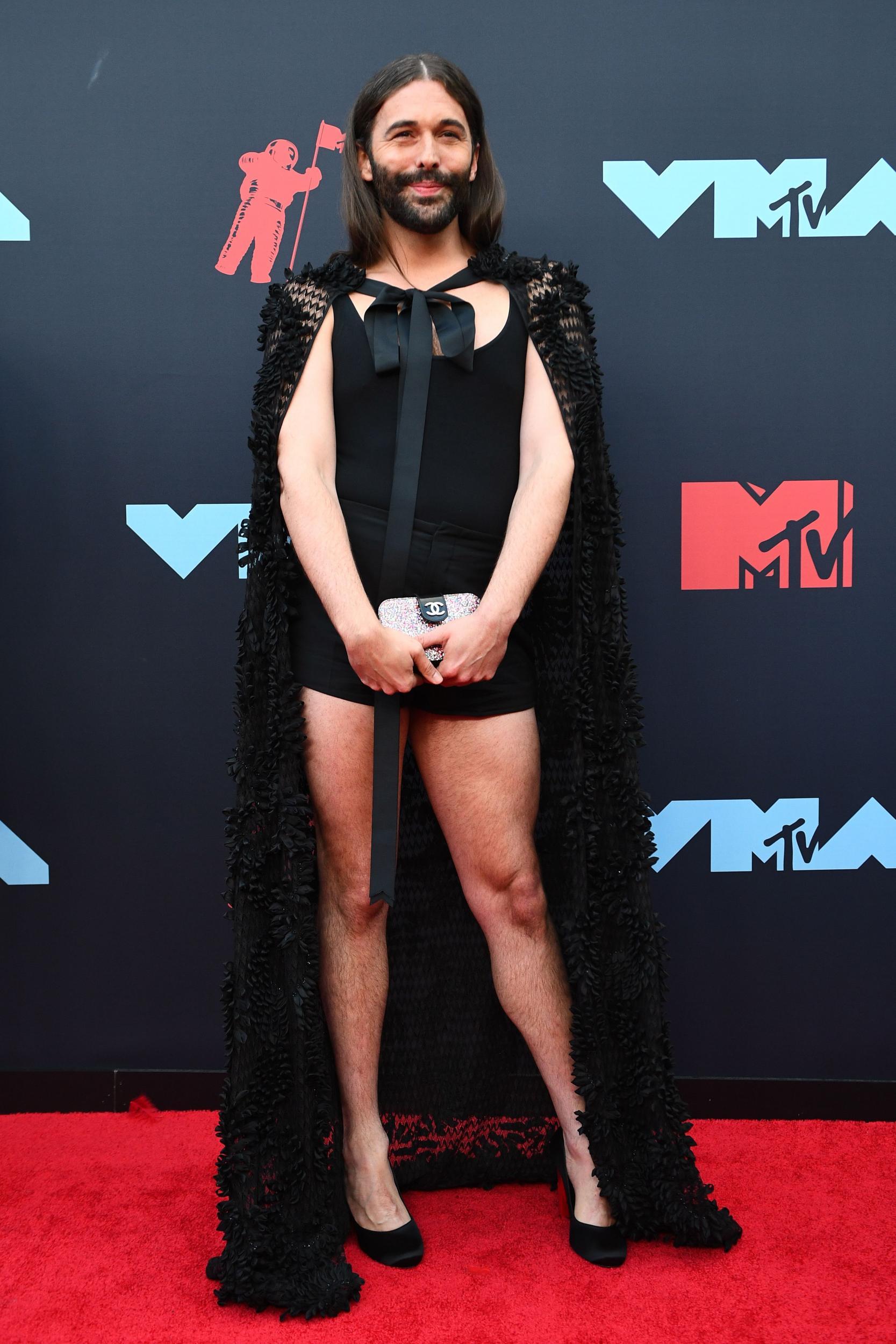 VMAs host Sebastian Maniscalco under fire for joking about