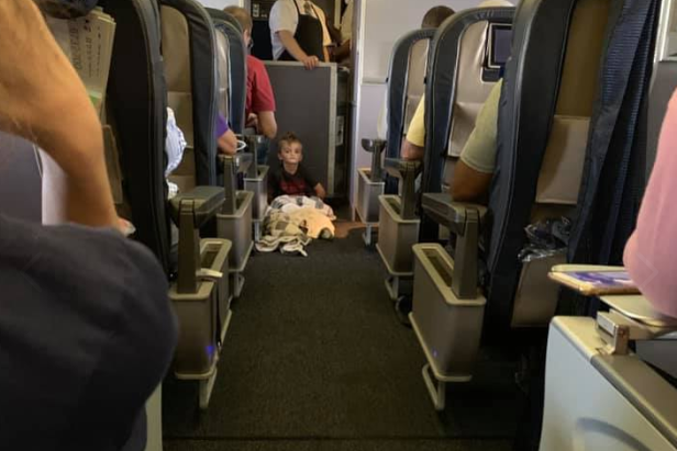 United Airlines praised by mother for letting her autistic son sit in first class