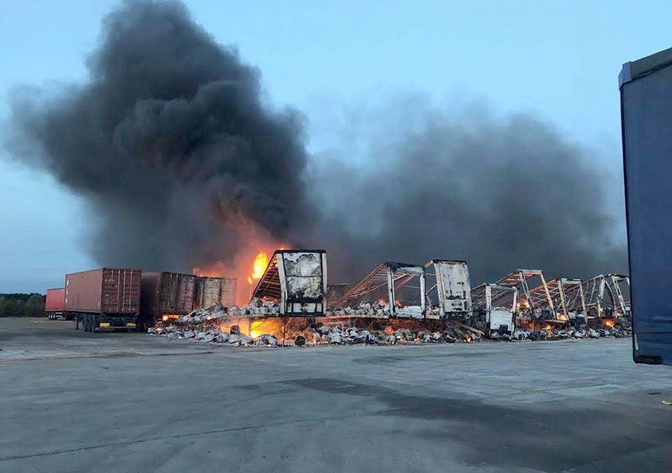 Trailers Plus Peterborough >> Fire Rips Through Lorry Trailers At Whirlpool Kitchen