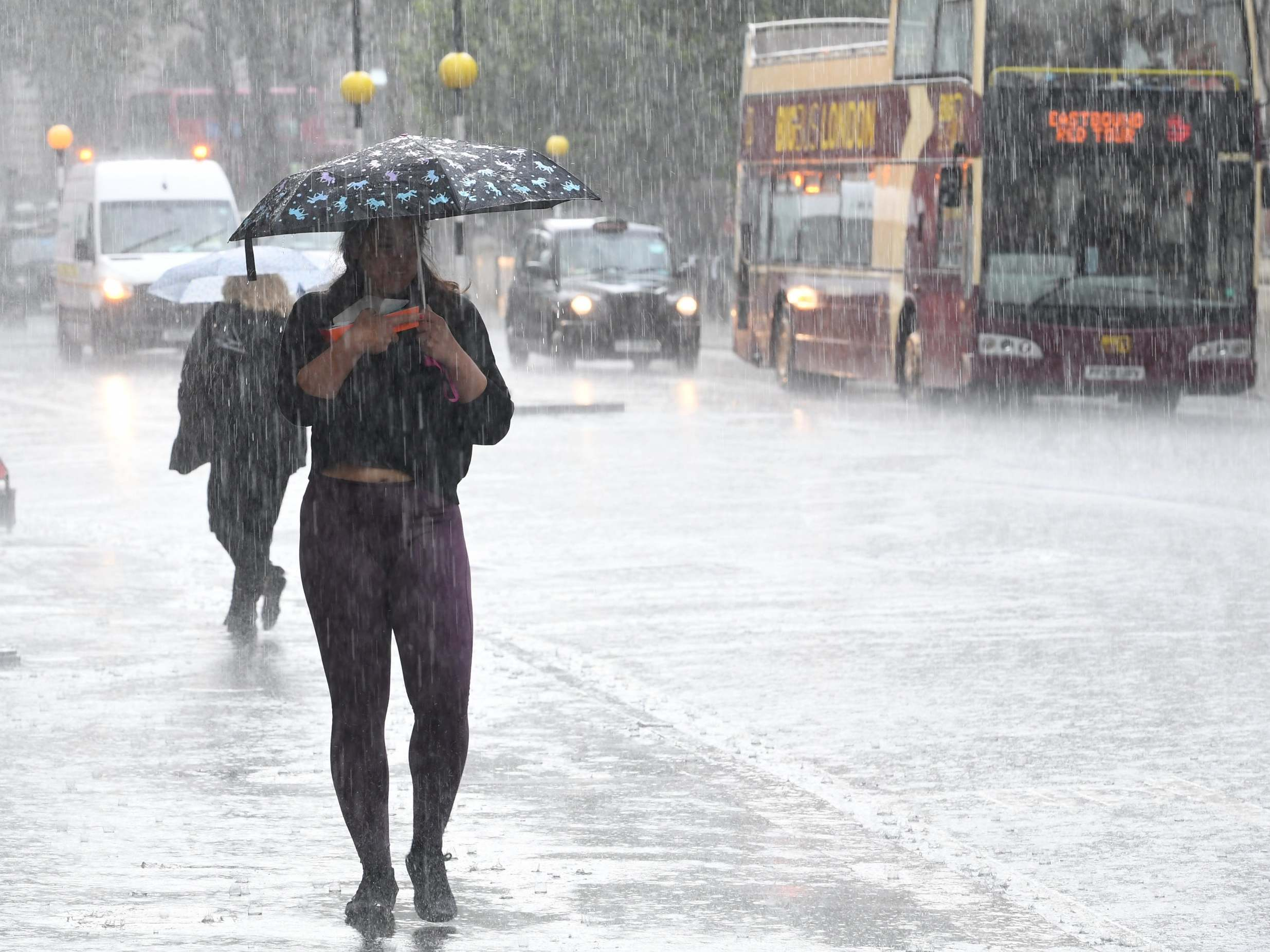 UK weather forecast: Temperatures to plummet as