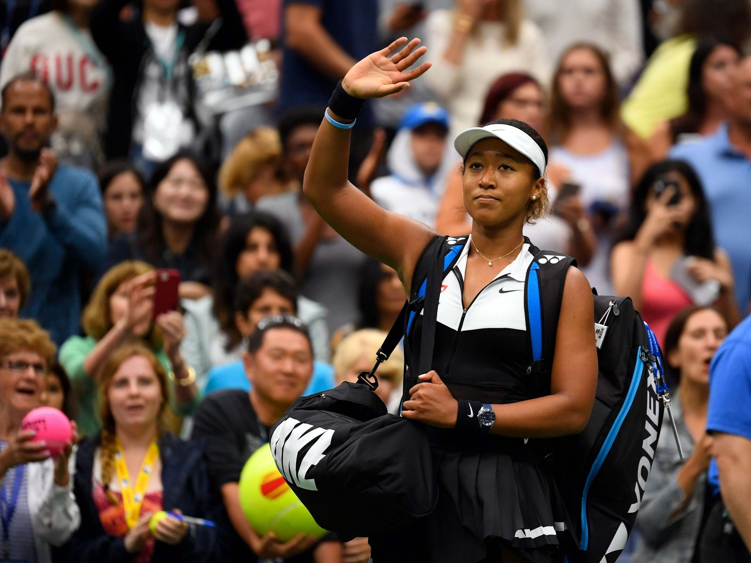 US Open 2019: Naomi Osaka crashes out in New York as Belinda Bencic secures straight sets victory