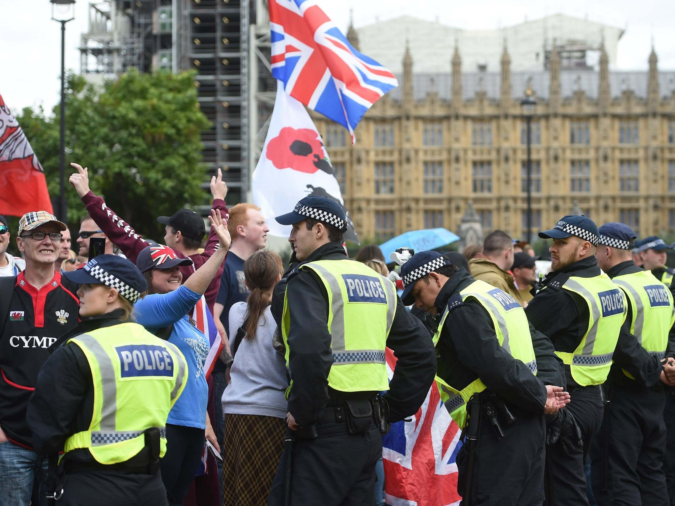 Pro and anti-Brexit protesters clash outside parliament