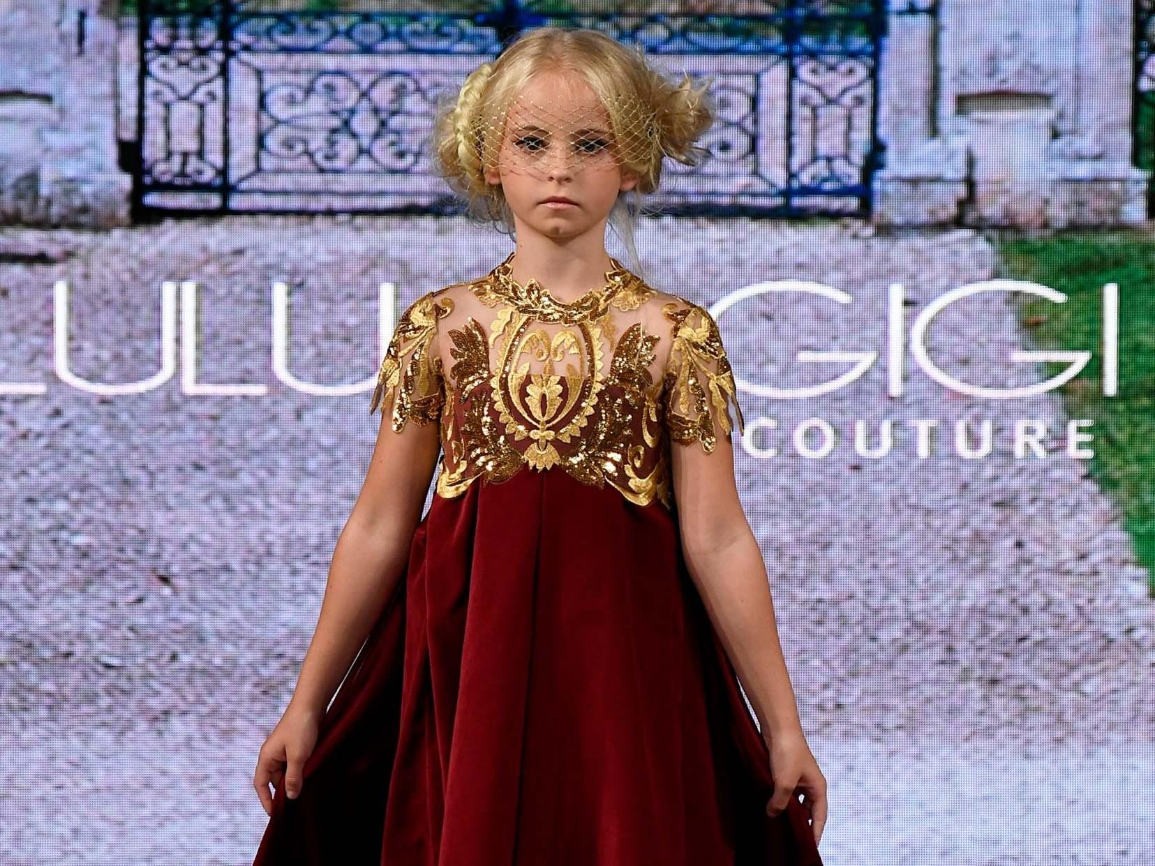 New York Fashion Week: Nine-year-old double amputee walks runway