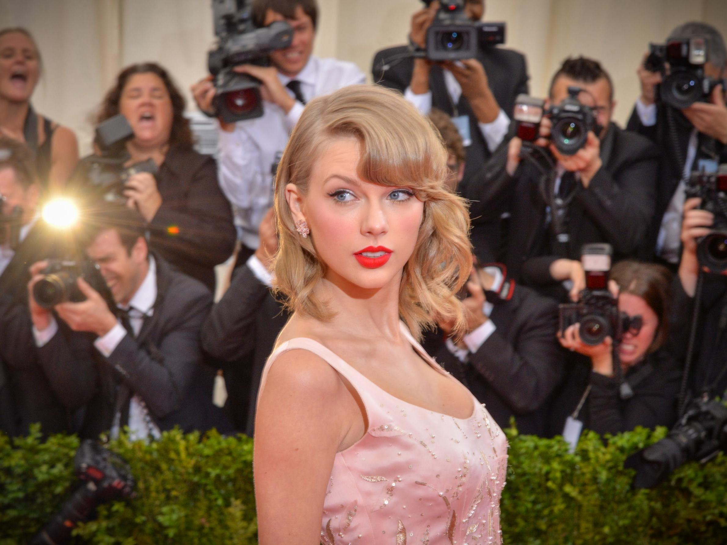Taylor Swift 'threatened to sue' Microsoft over racist chatbot