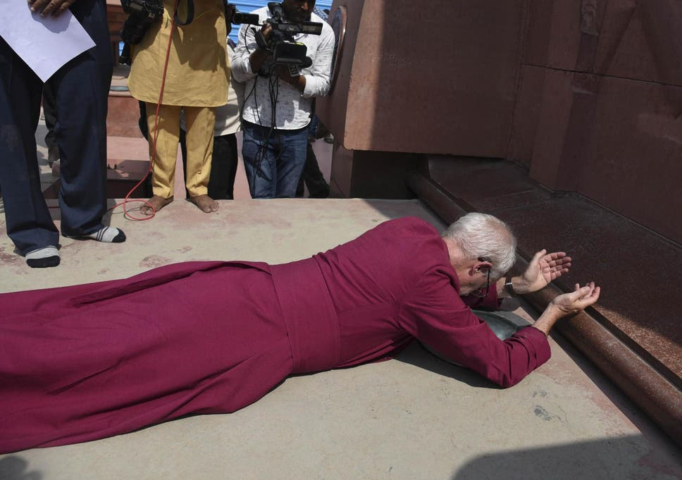 Archbishop Of Canterbury Prostrates Self Before Amritsar