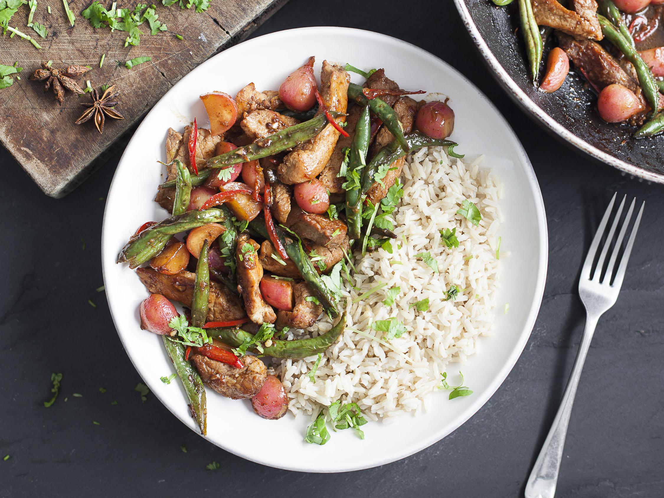 How to make teriyaki pork and braised radishes with green beans and …