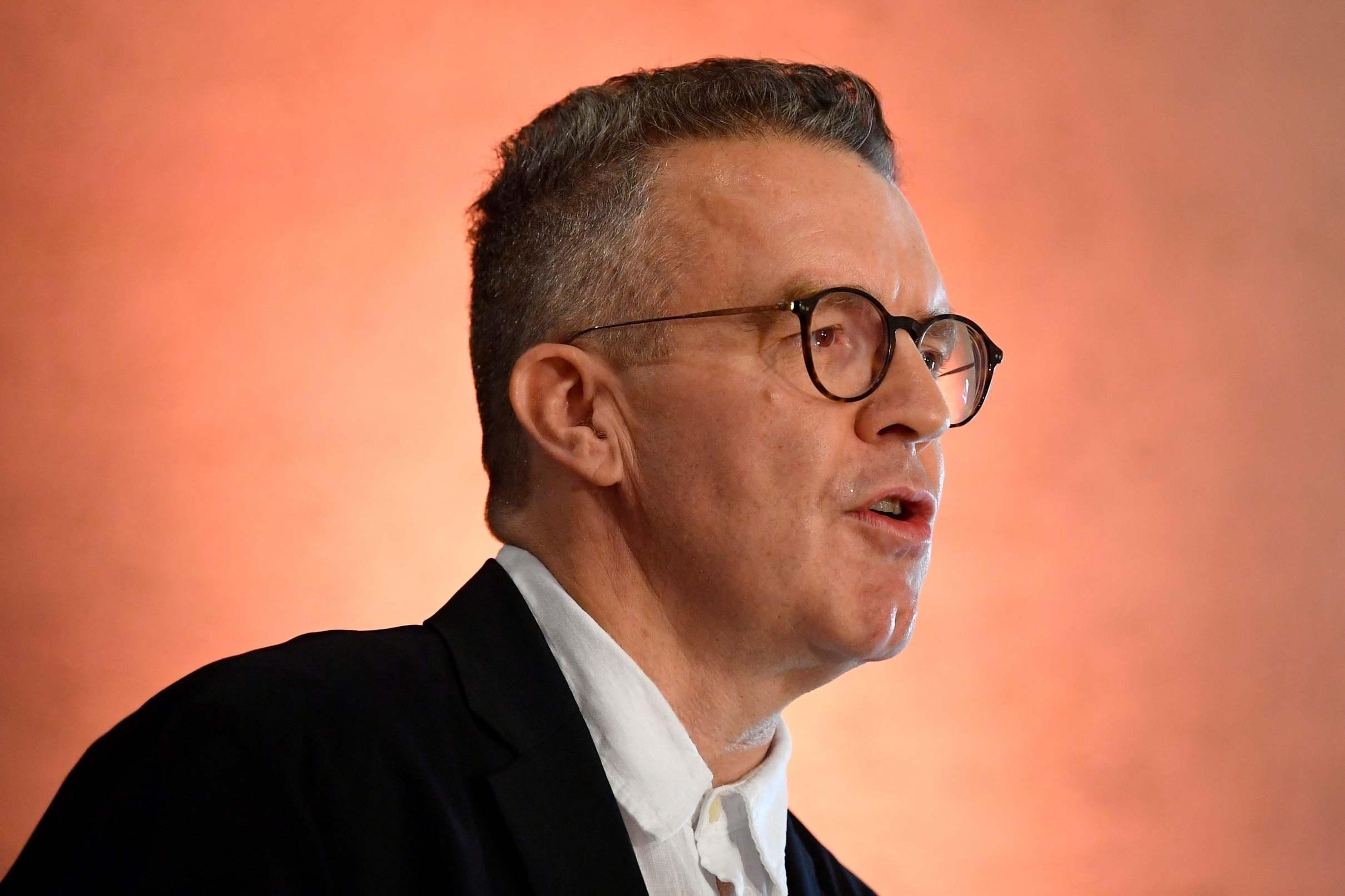 Tom Watson urges Jeremy Corbyn to intervene as bid to oust him plung…