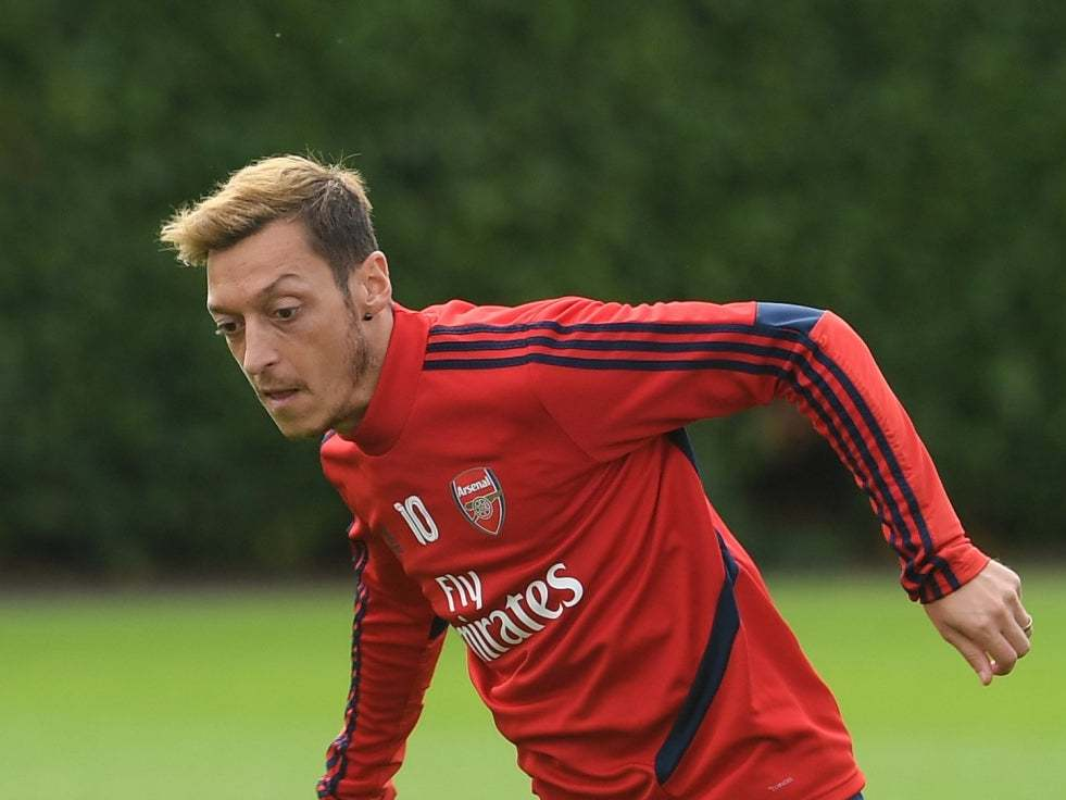 Arsenal: Mesut Ozil urged to get fit by Per Mertesacker to work his way back into Unai Emery's line-up
