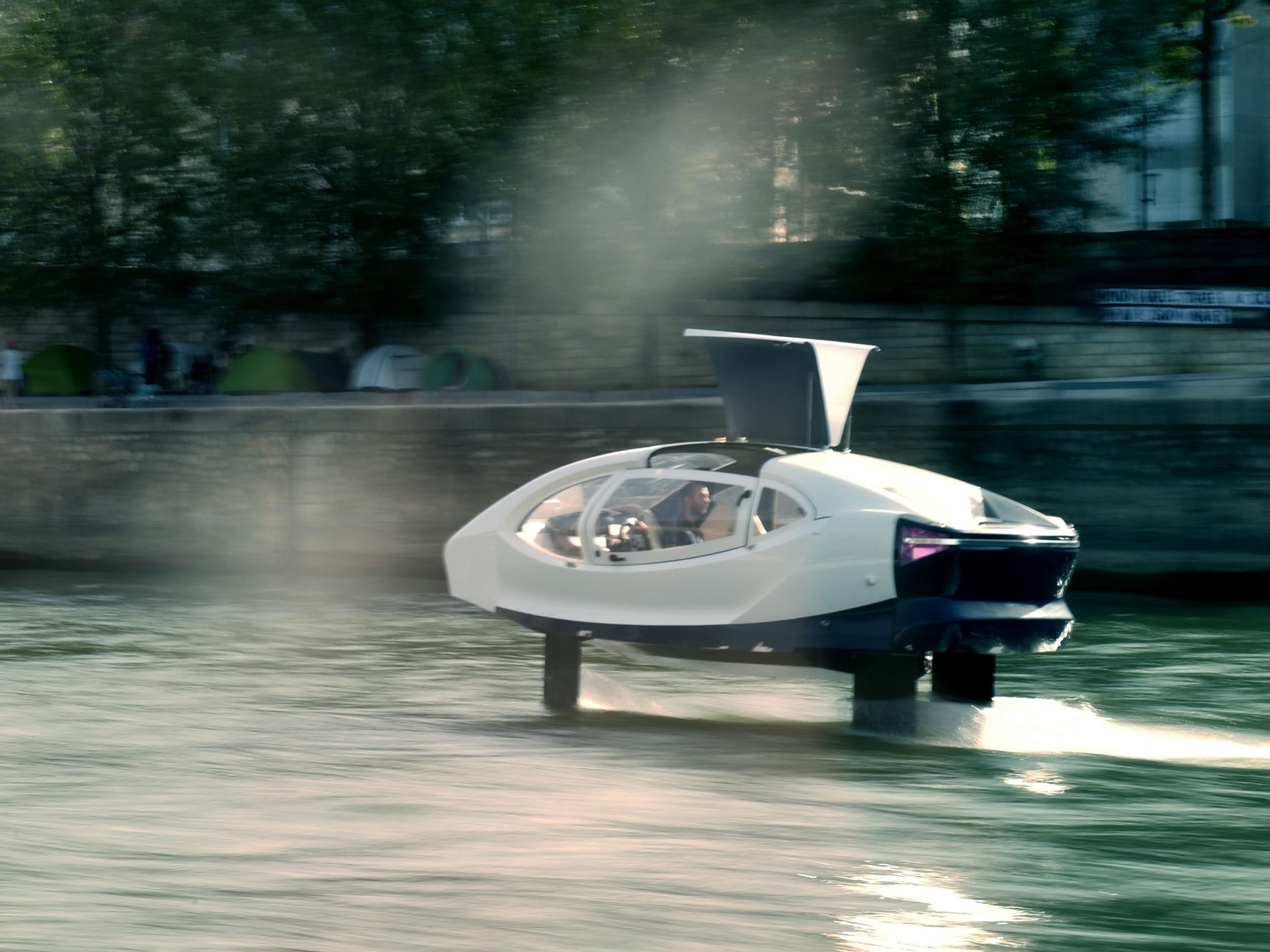 'Flying taxi' stopped by police in Paris