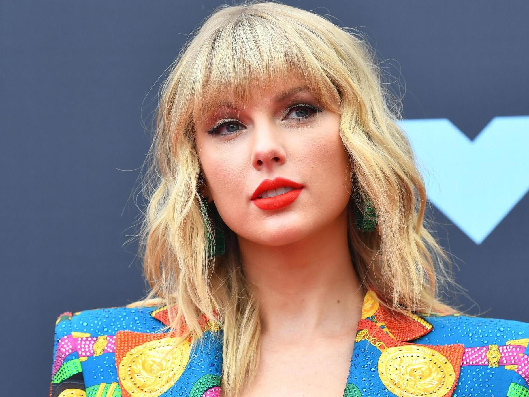 Taylor Swift announces 'Lover' 2020 tour in the US and UK