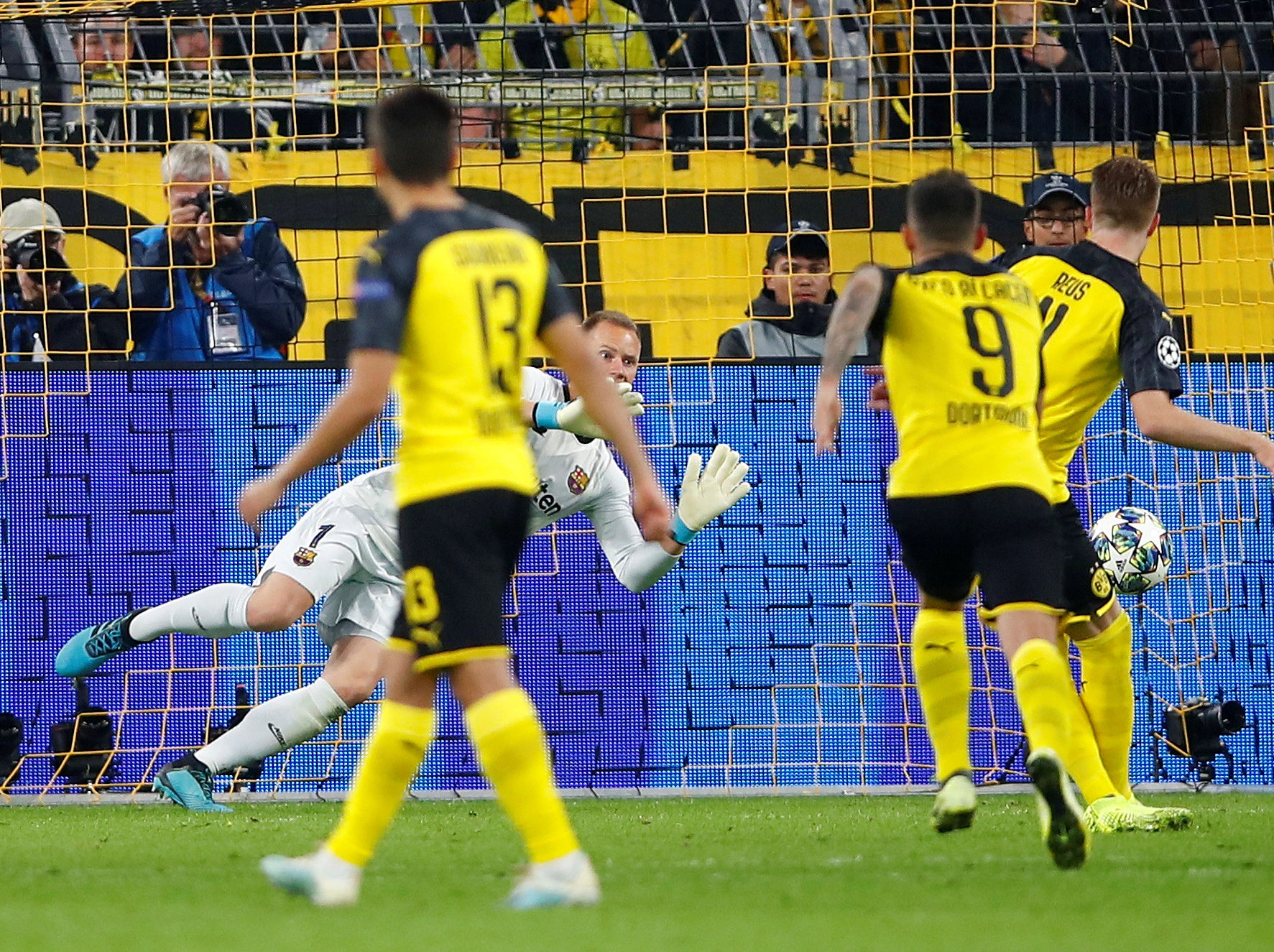 Borussia Dortmund vs Barcelona player ratings: Jadon Sancho bright but Marc-Andre ter Stegen steals show