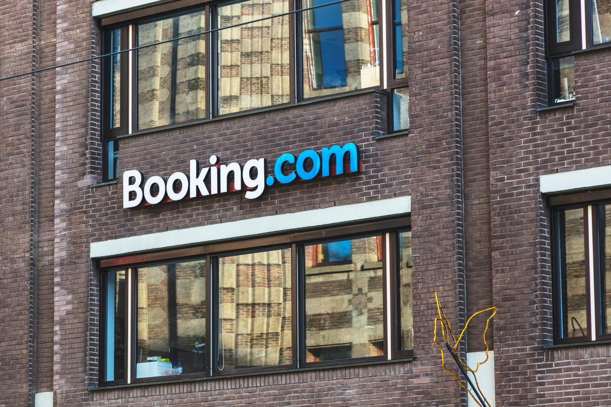 Booking.com still 'misleading' customers with pressure selling tactics, Which? investigation finds