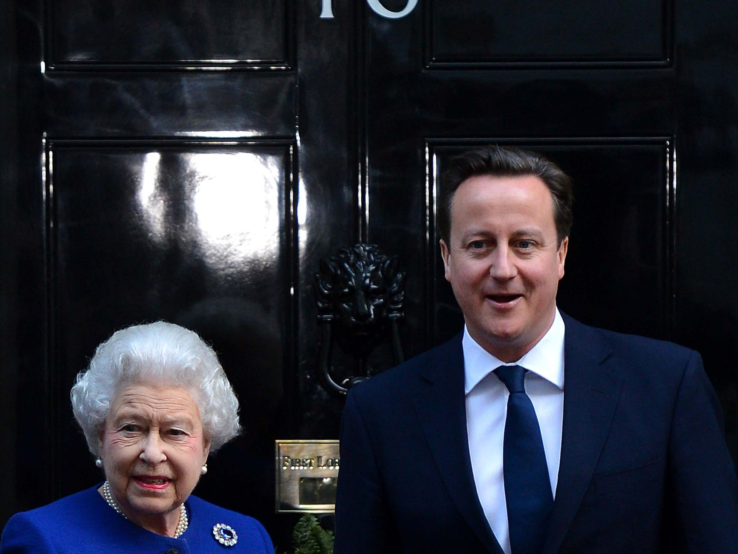 Buckingham Palace 'displeased' by David Cameron's comments about seeking Queen's help during Scottish referendum