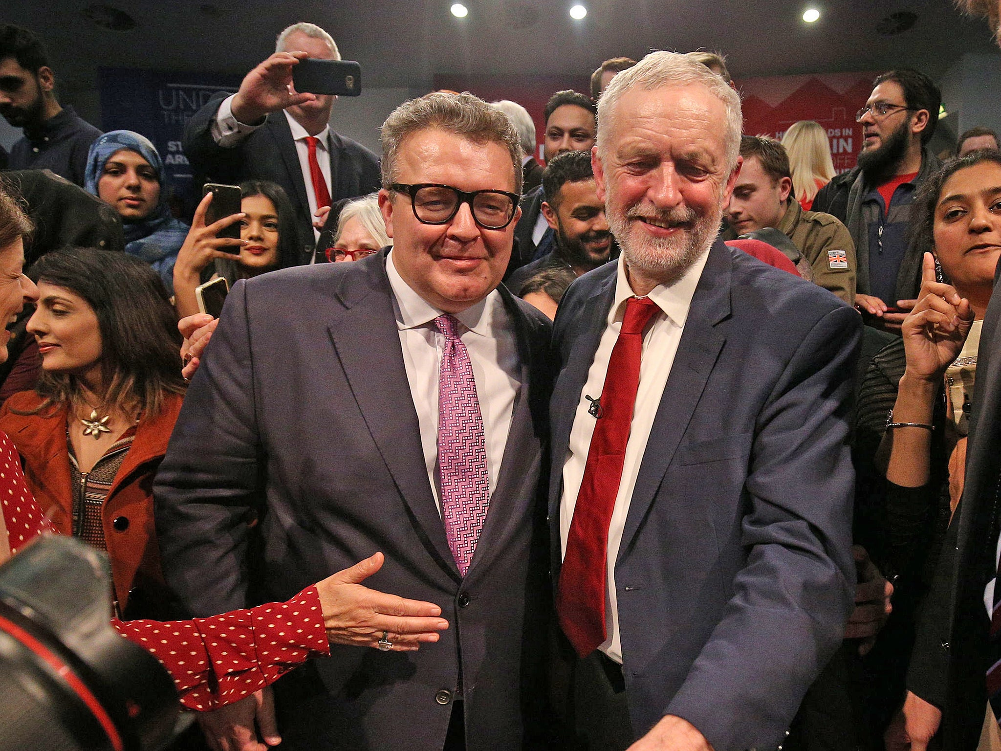 Tom Watson: Bid to oust Corbyn critic as Labour deputy leader fails after backlash splits party