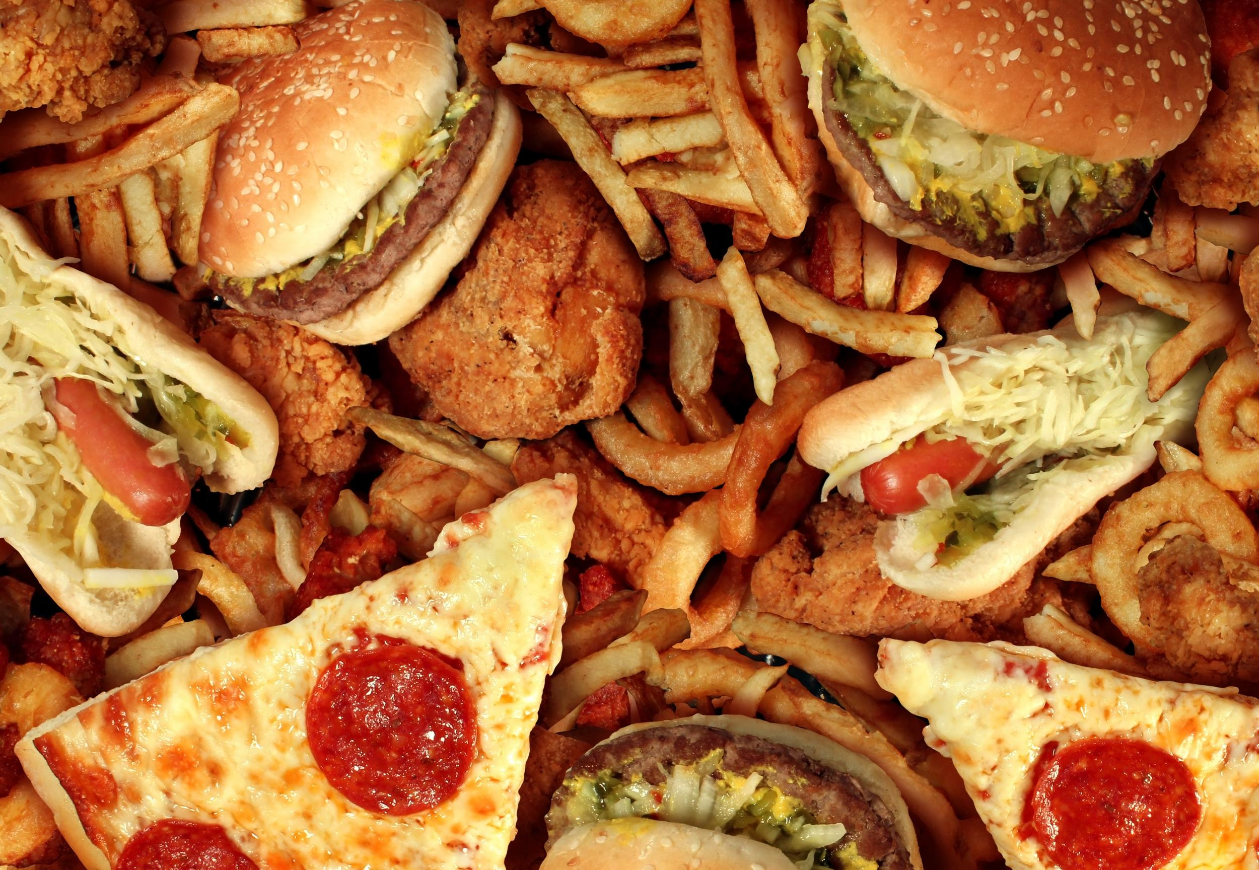 Government 'to announce ban on junk food advertising before 9pm' as part of obesity crackdown thumbnail