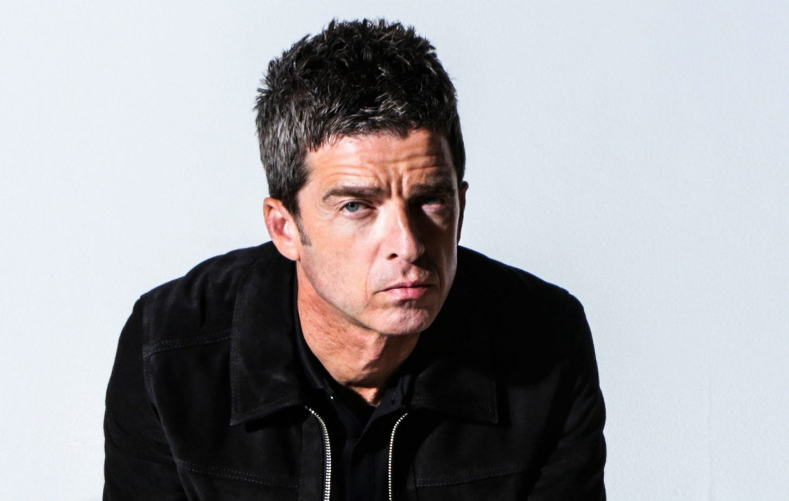 album reviews noel gallagher s high flying birds this is the place and sturgill simpson. Black Bedroom Furniture Sets. Home Design Ideas