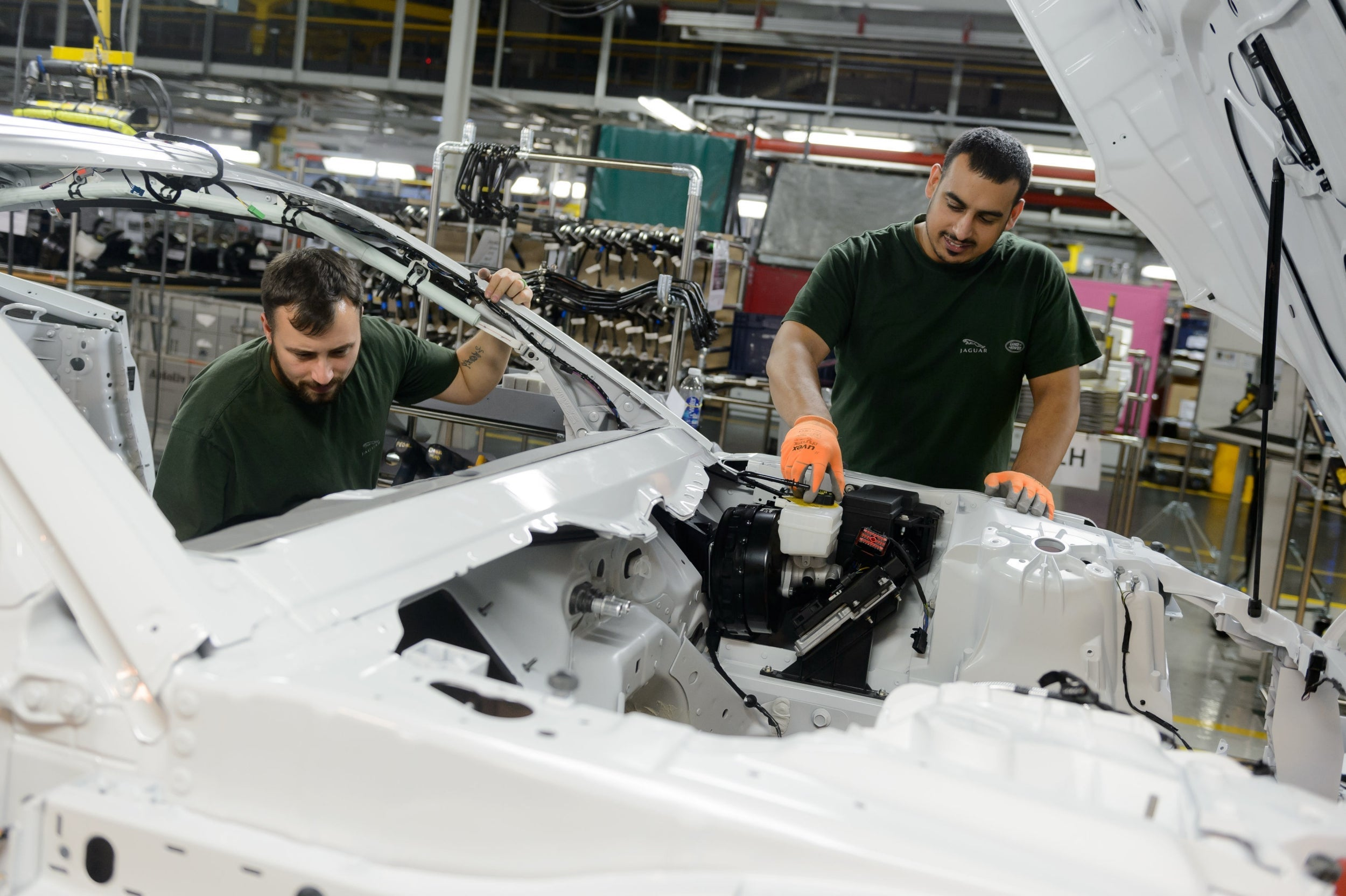 UK productivity posts sharpest fall in five years, boding ill for pay rises