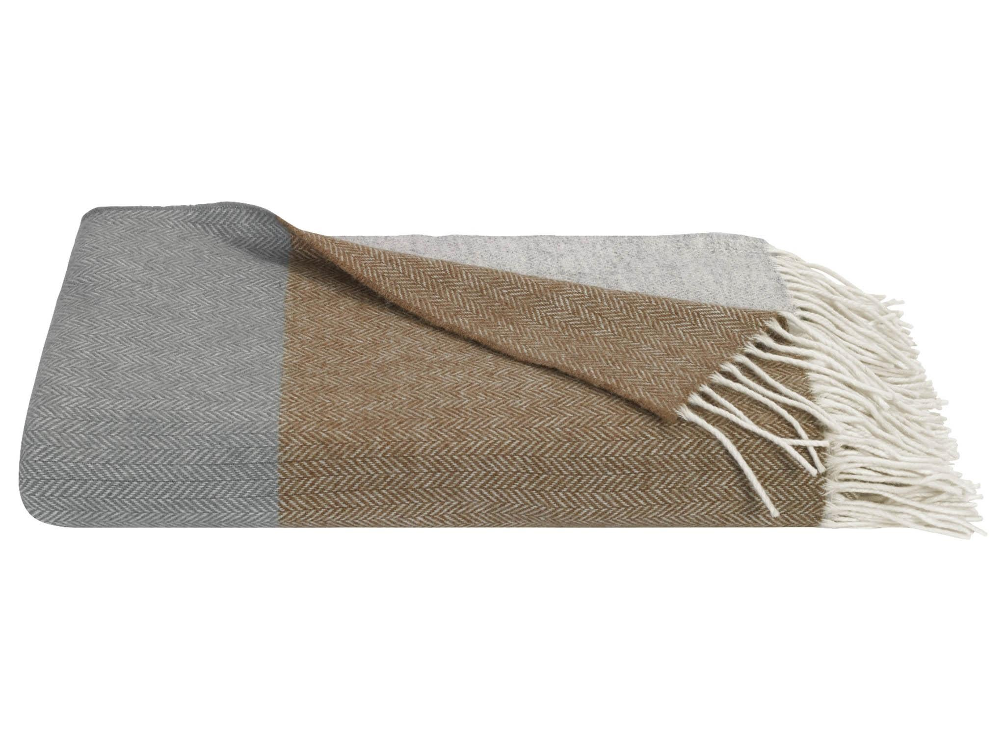Best Wool Throws And Blankets To Keep You Cosy This Winter