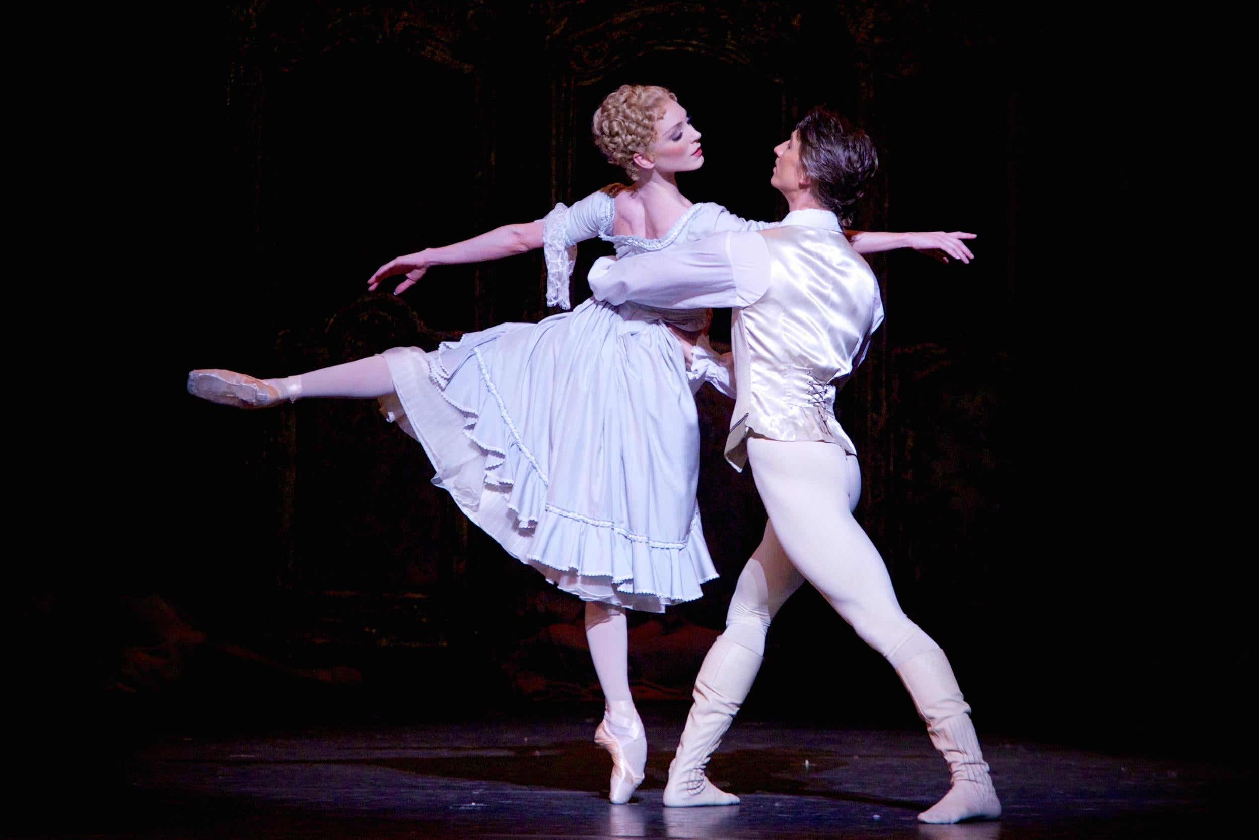 Manon review, Royal Opera House: New season opens with clean dancing and dramatic gusto