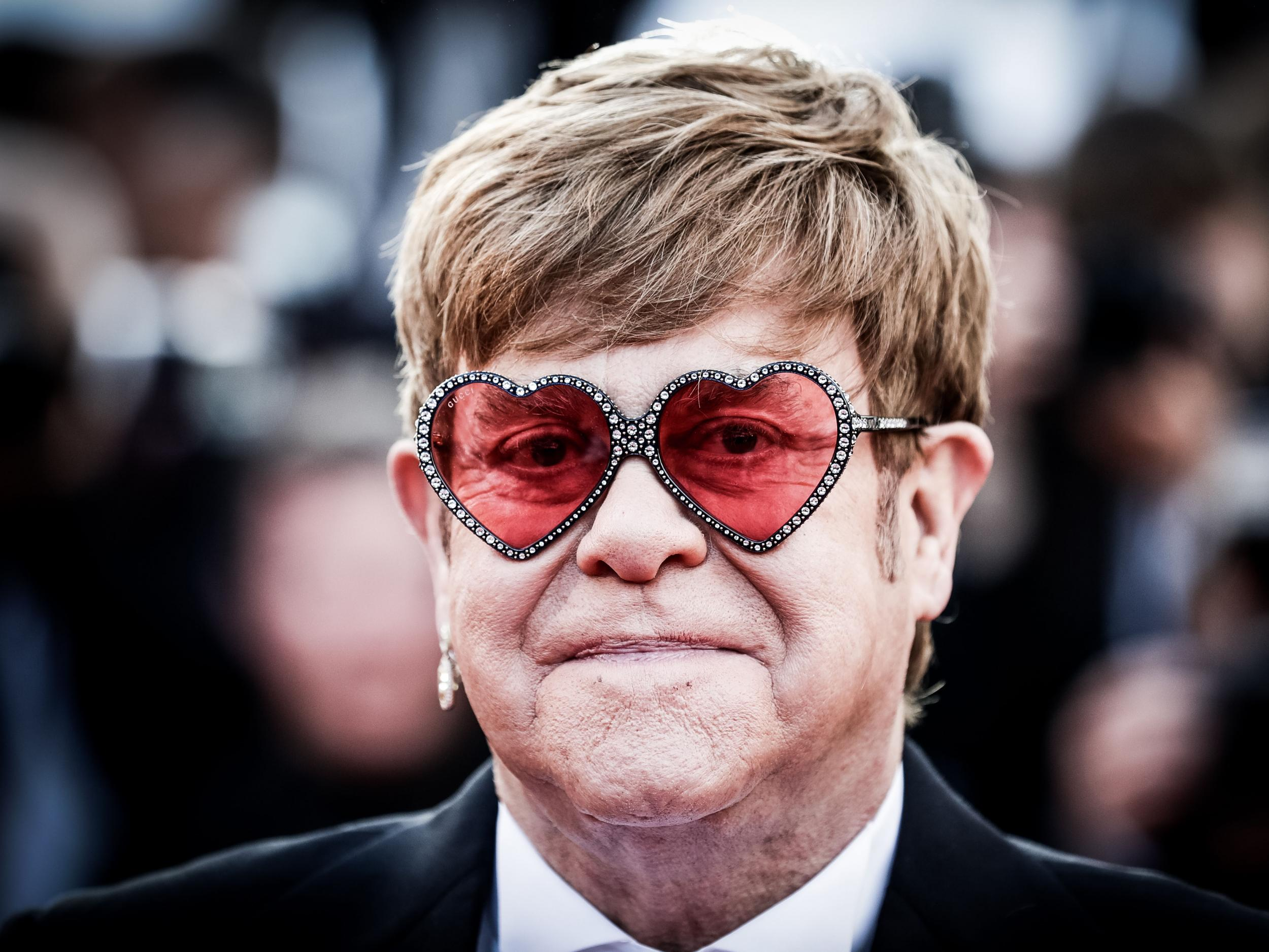 Elton John says Michael Jackson 'couldn't cope with adult ...