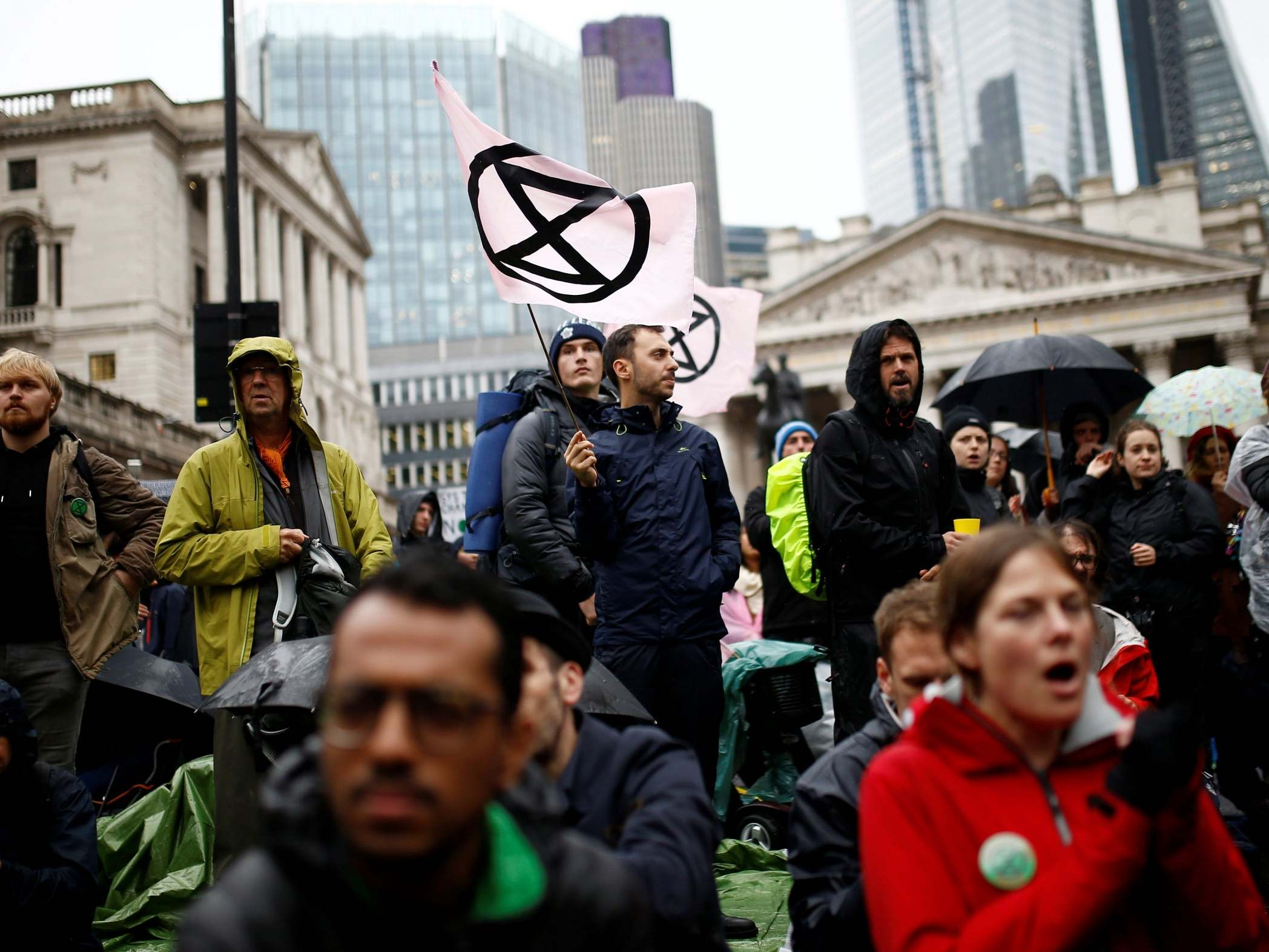 Extinction Rebellion protests – live: Activists target city workers in bid to cause 'maximum disruption' to London's financial district