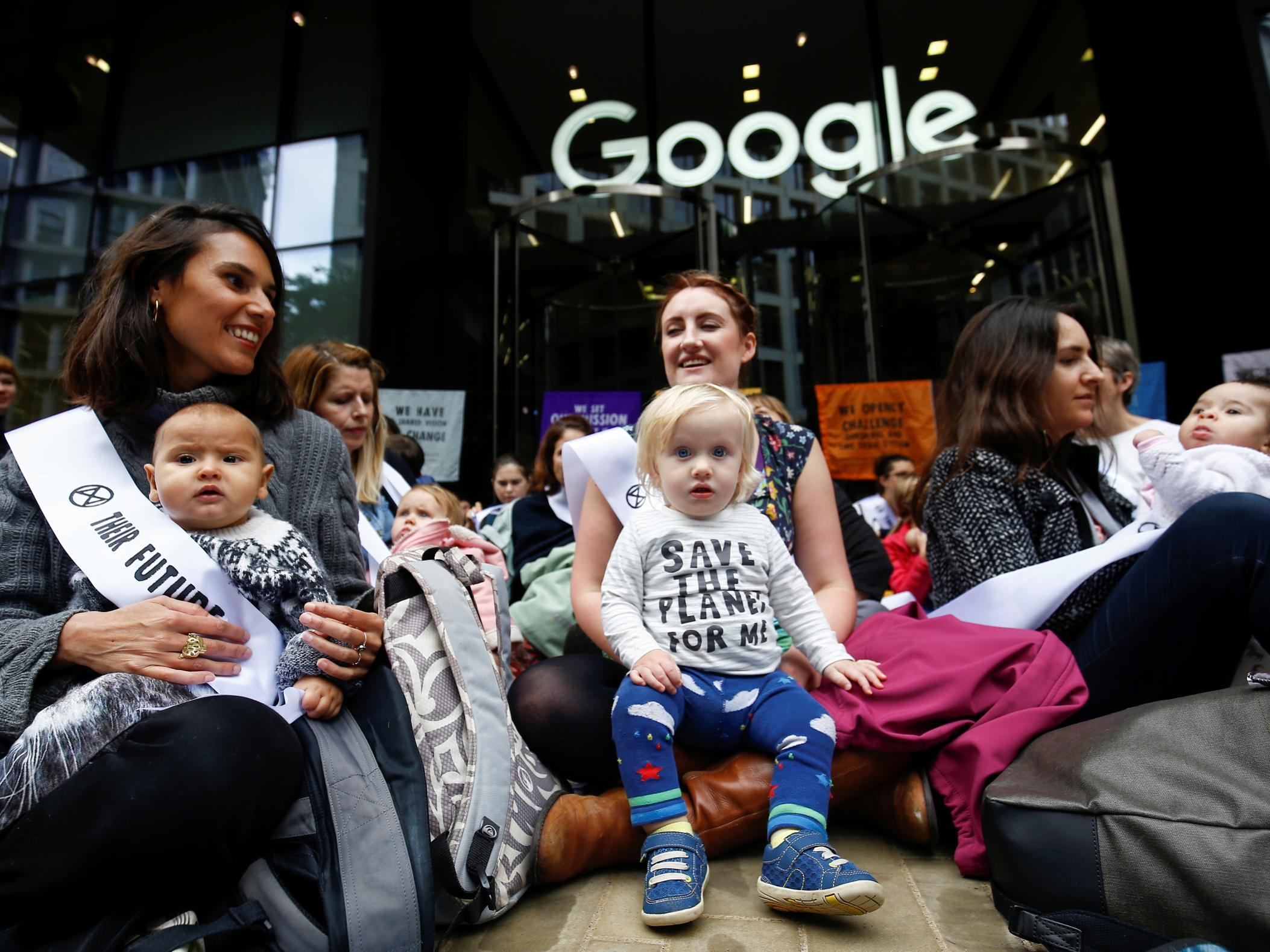 Extinction Rebellion protests – live: Mothers and babies blockade Google HQ as Greta Thunberg condemns 'unlawful' police ban on demonstrations