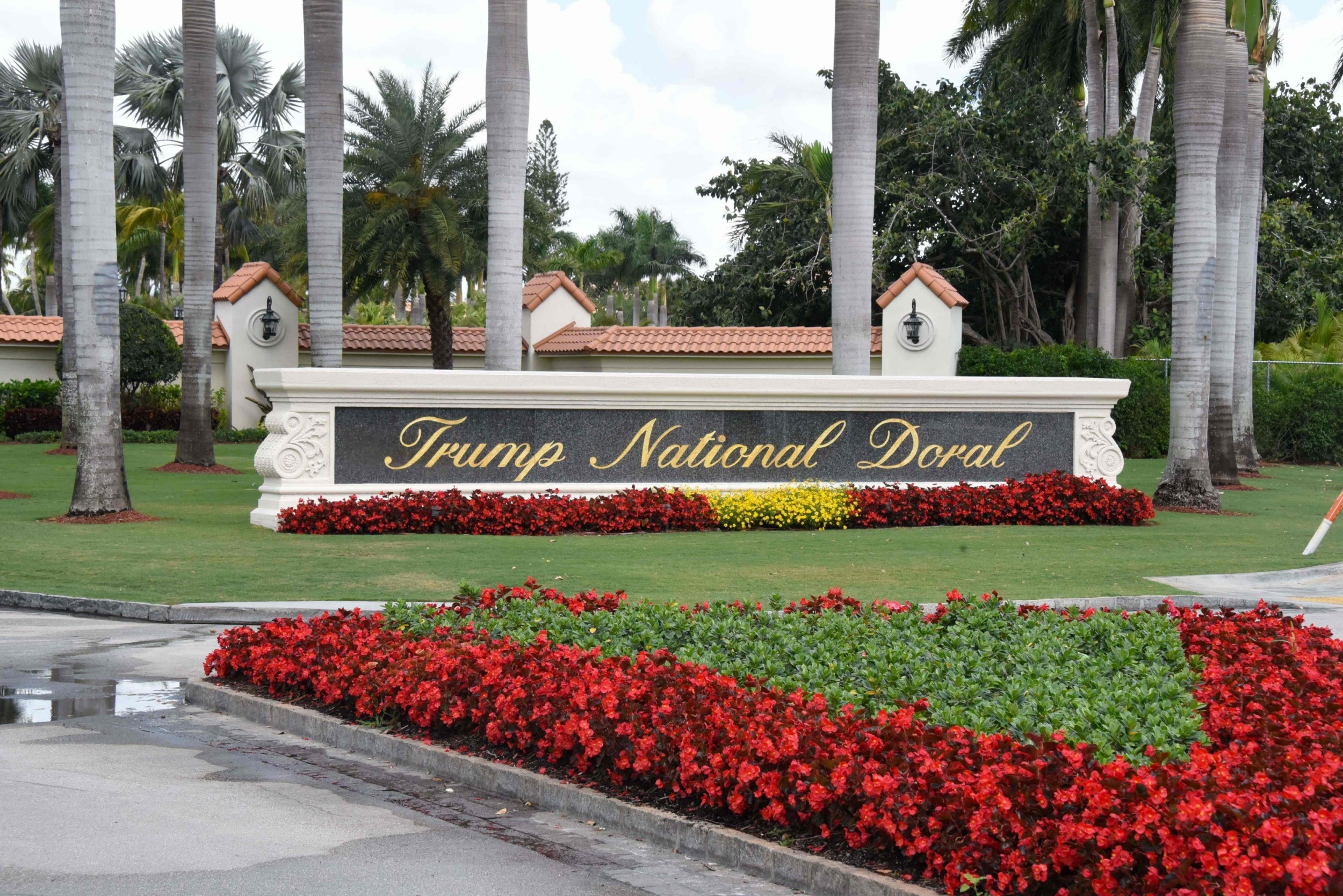 Trump's struggling golf resort in Florida to host G7 summit despite conflict of interest fears