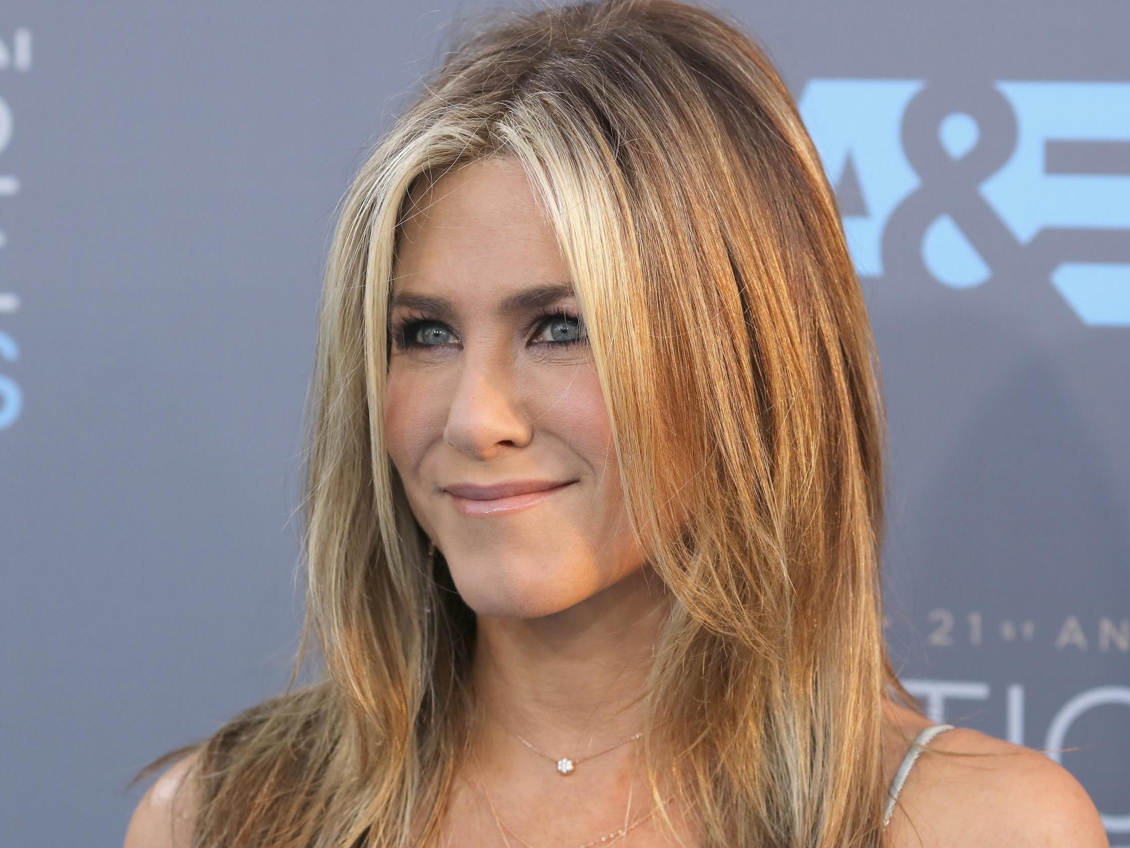 Jennifer Aniston shares first throwback Instagram photo with cute ch…