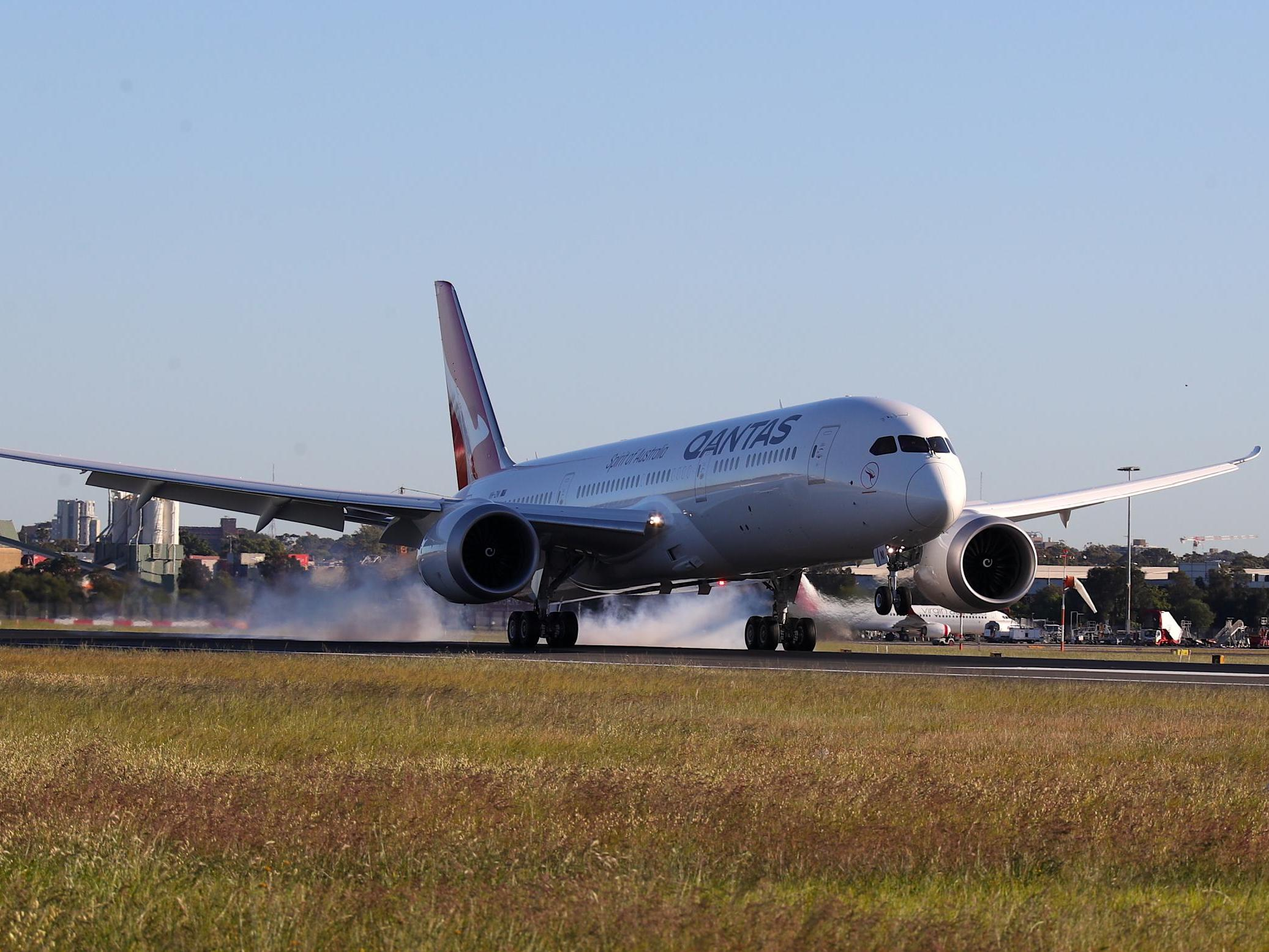 Qantas' London to Sydney flight – live: Almost empty plane flies direct as part of 'Project Sunrise'