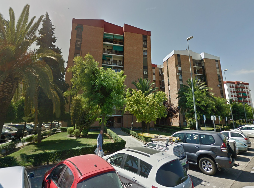 The incident took place in an apartment building on Periodista Quesada Chacon street, Cordoba