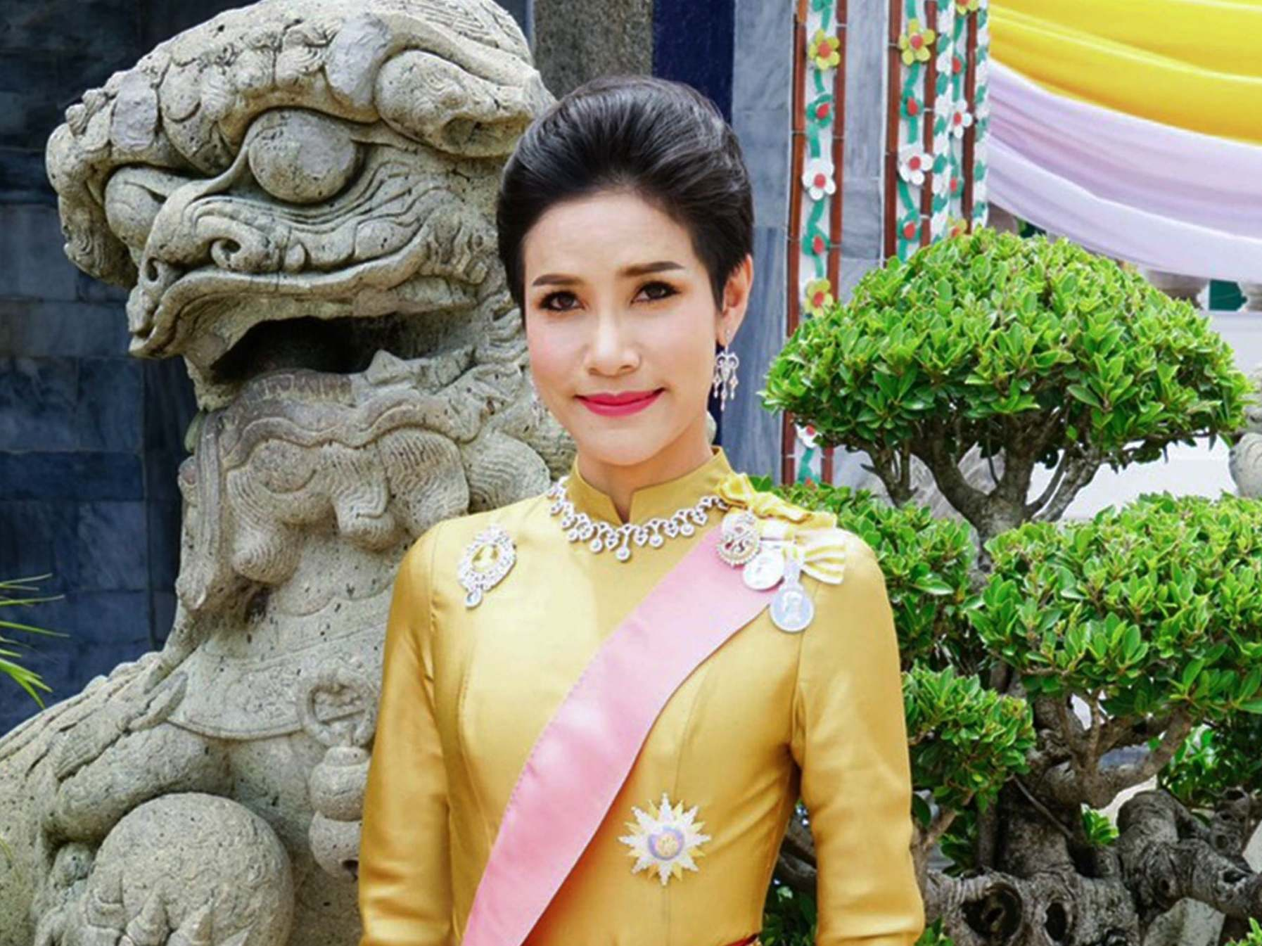 Thailand royal consort: Why was Sineenat Wongvajirapakdi stripped of her titles?