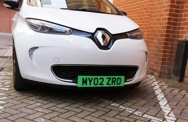 Related video: charging an electric car ion the road