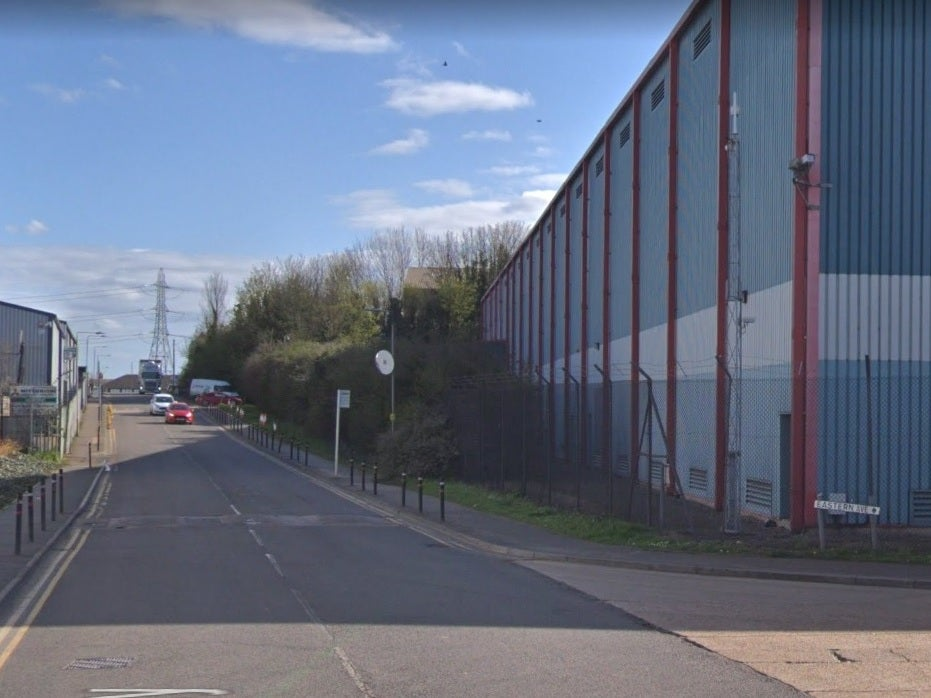 Thurrock deaths - latest: Murder investigation launched after 39 bodies found in lorry container