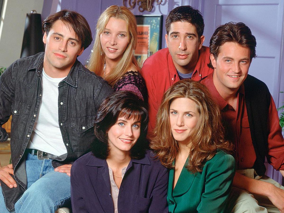 These bizarre promotional Friends photos have resurfaced after the reunion news