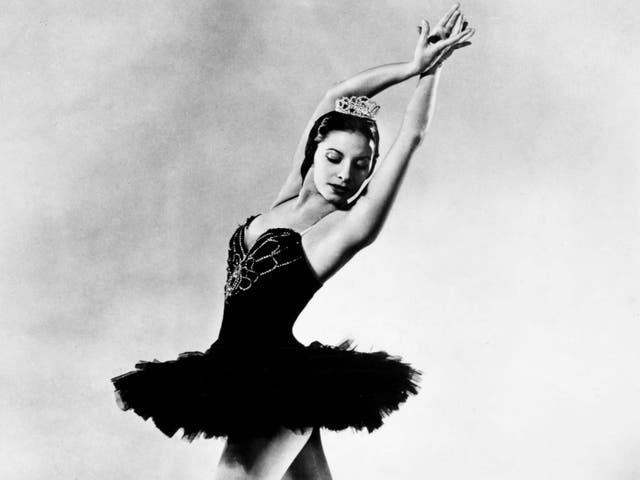 Alonso excelled in the Black Swan pas de deux from 'Swan Lake', 1955