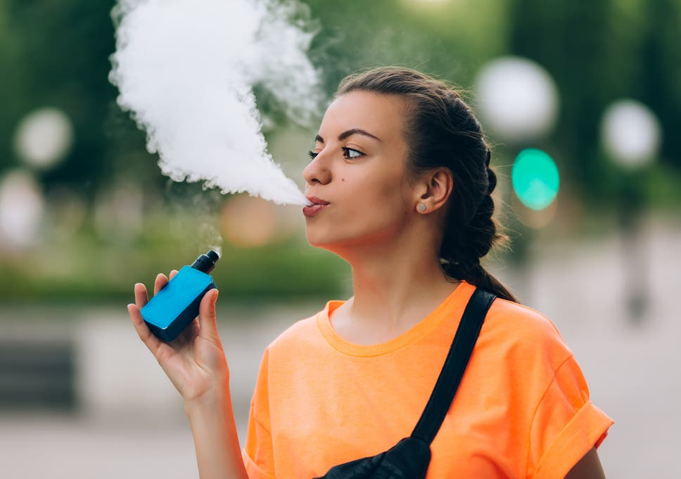 e cigarette teenager ile ilgili görsel sonucu