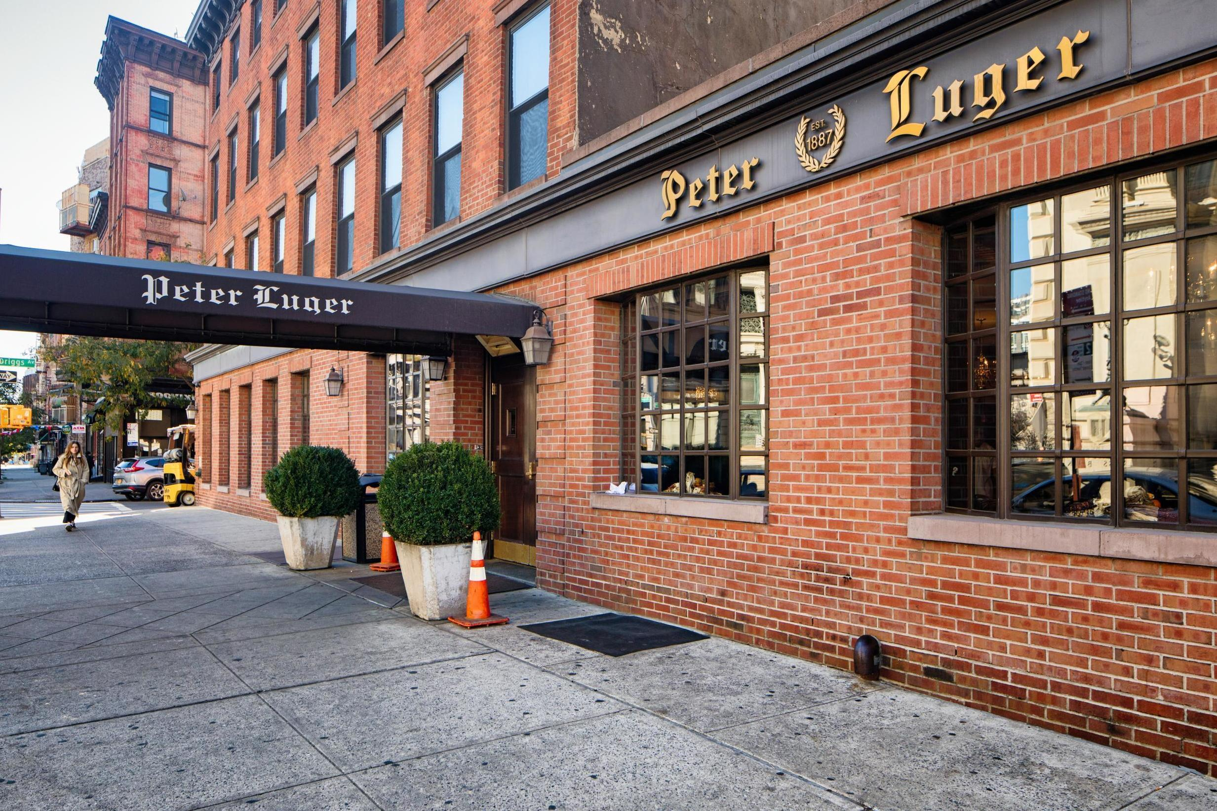 Peter Luger responds to scathing zero-star New York Times review of iconic steakhouse 1