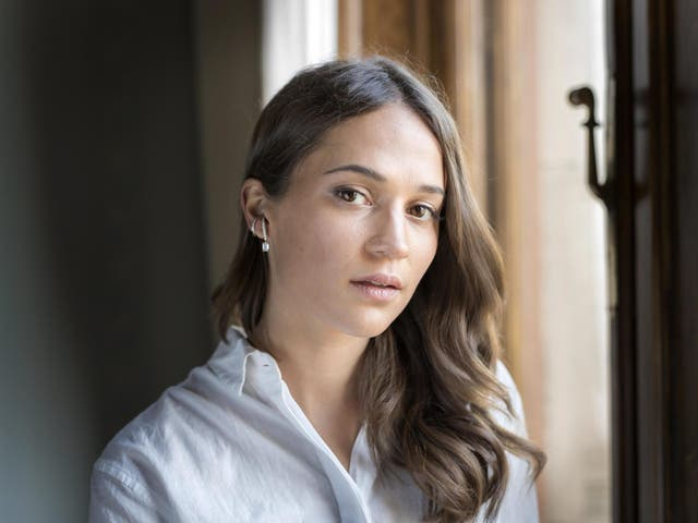 'I believe in being an actor – I want it to be that anyone can play anything.' Alicia Vikander stars in new Netflix film 'Earthquake Bird'