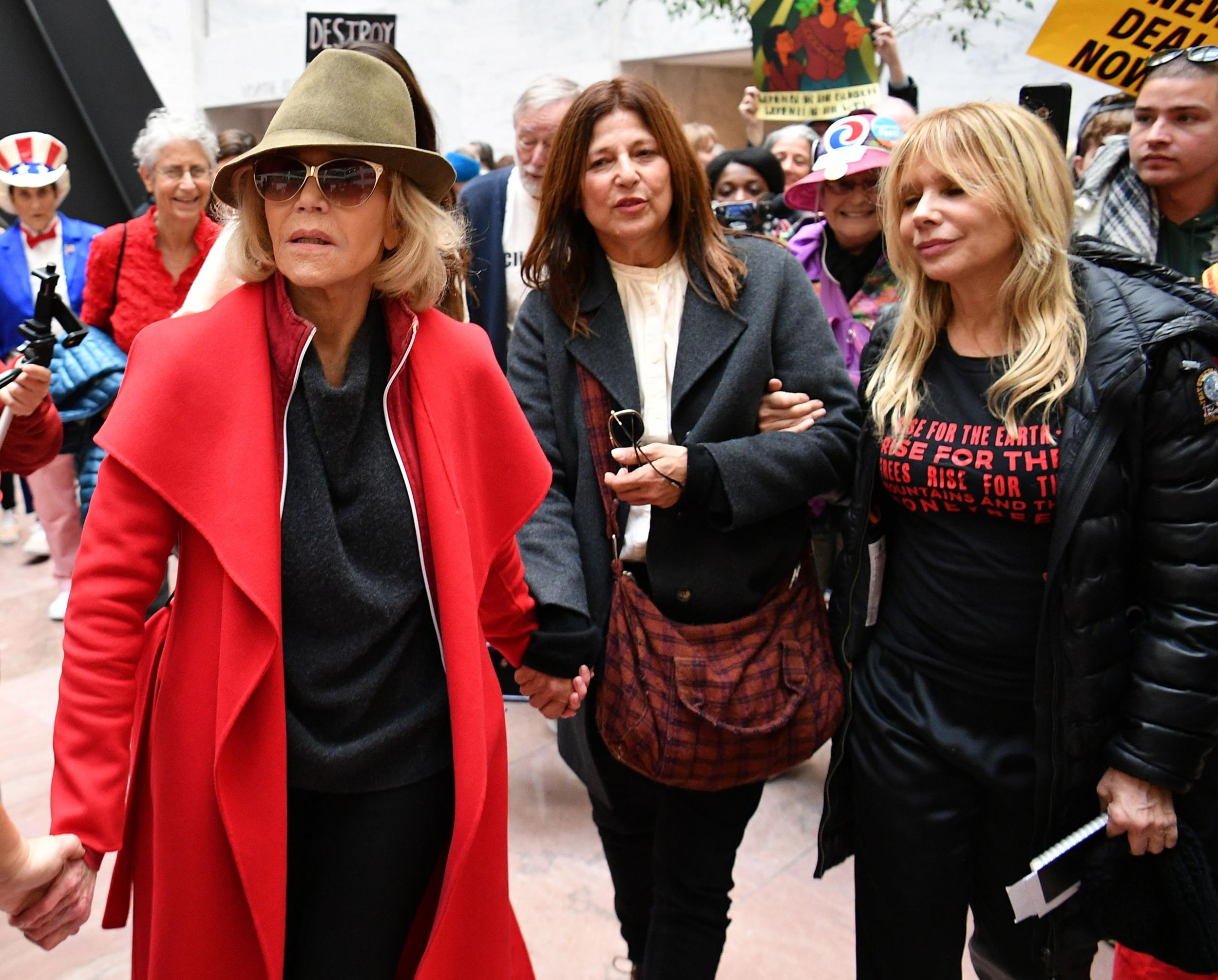 Jane Fonda, Rosanna Arquette and Catherine Keener arrested while pro…