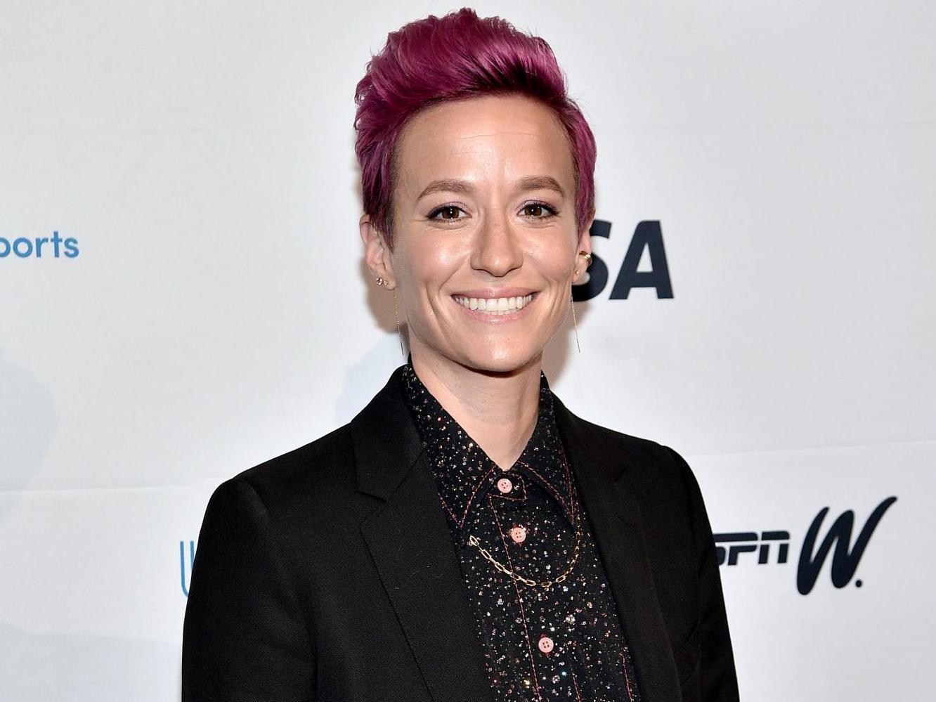 Megan Rapinoe calls on women to 'fight like hell' in battle for equal pay