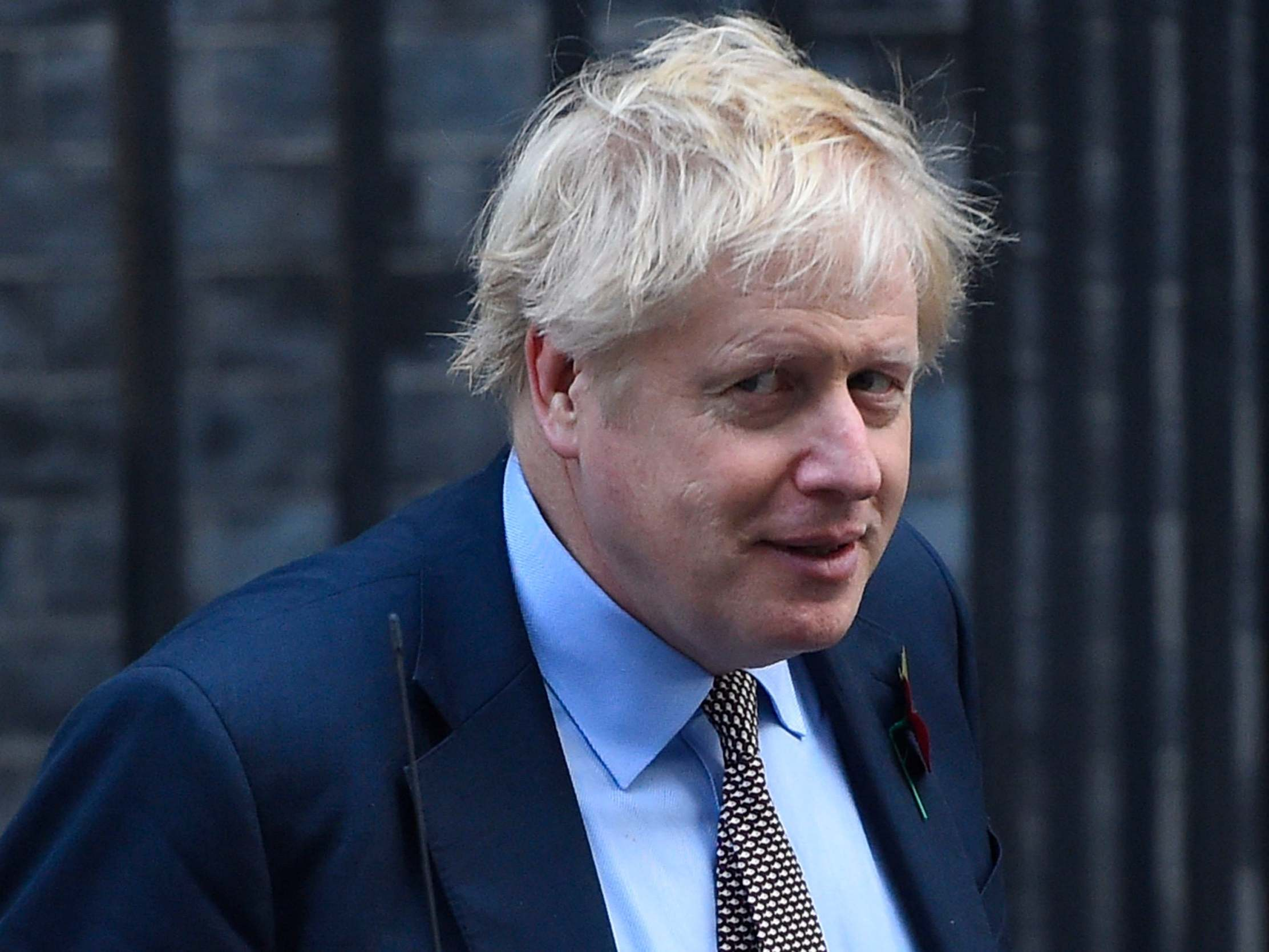 Boris Johnson news – live: Lib Dems quash candidate's attempt to form Remain pact, as former Tory minister backs second Brexit referendum