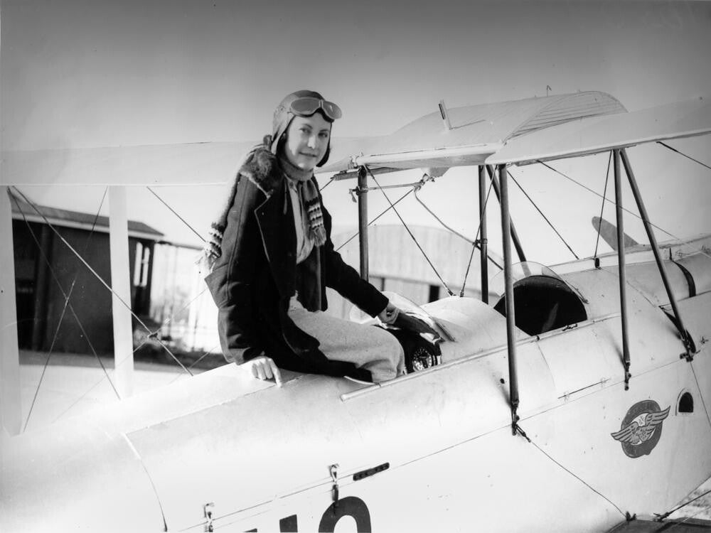 Maude Rose 'Lores' Bonney: The remarkable story of the first woman to fly solo from Australia to England | The Independent