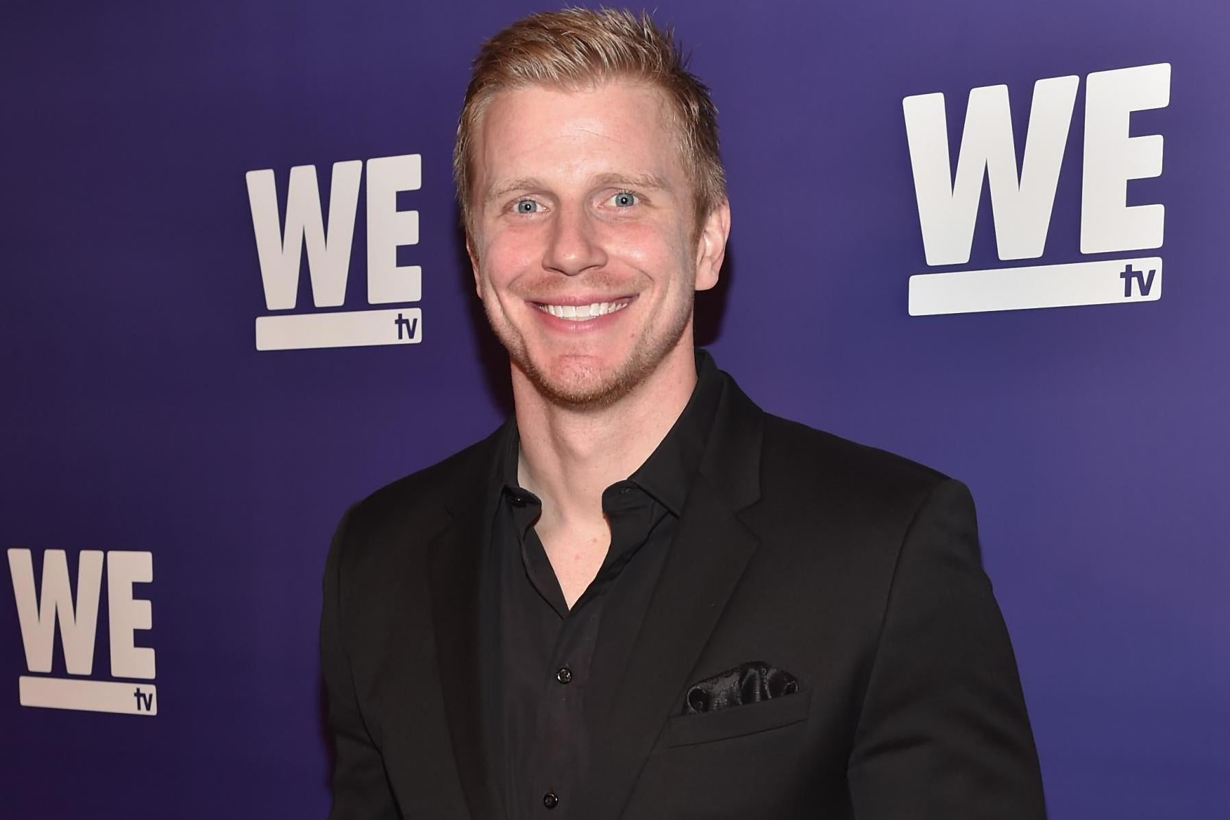 Former Bachelor Sean Lowe criticised for implying he is poor
